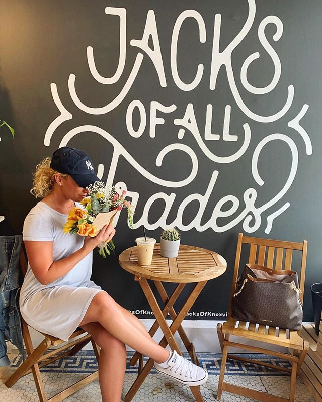 We won't have the truck out again until Thursday, but we've got lots of blooms @jacksofknoxville for you to grab and brighten up this cloudy day! Plus, there's coffee too 😉 📷 | @kiley_nojenner