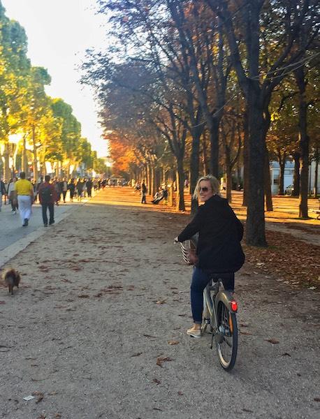 Bike riding Paris Katie.JPG