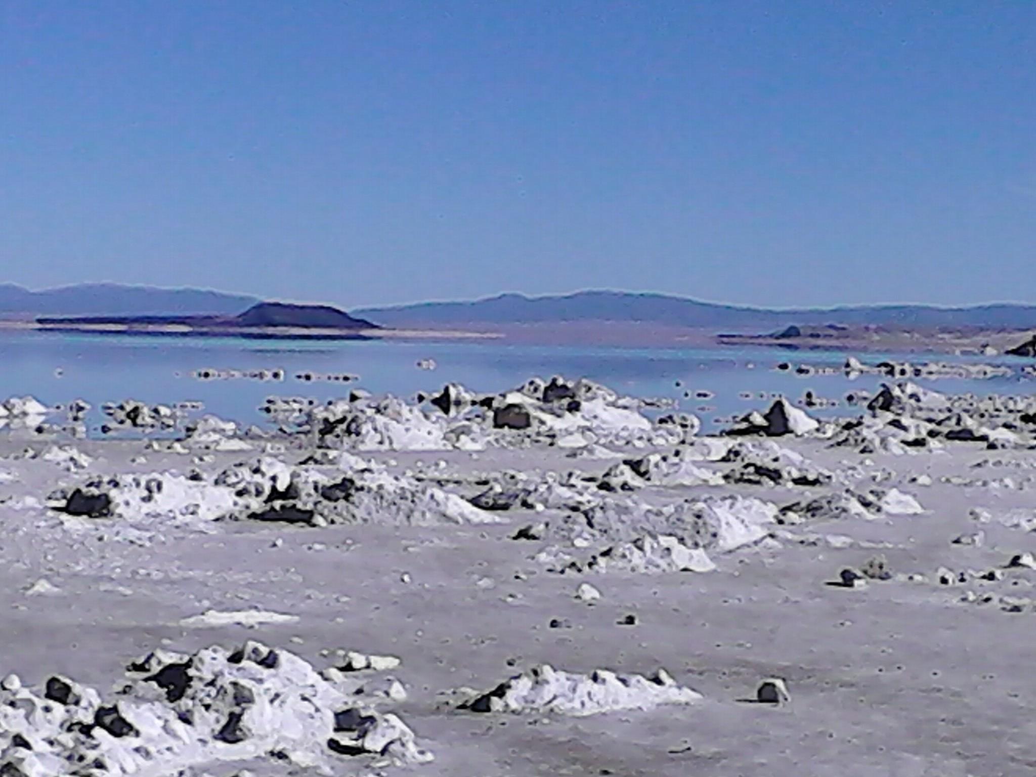 Nevada lake 3.jpg