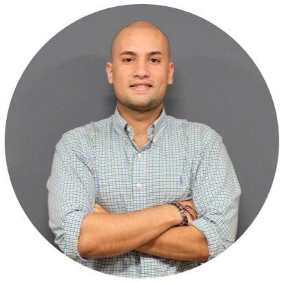 Angel Romero Director de Ventas -
