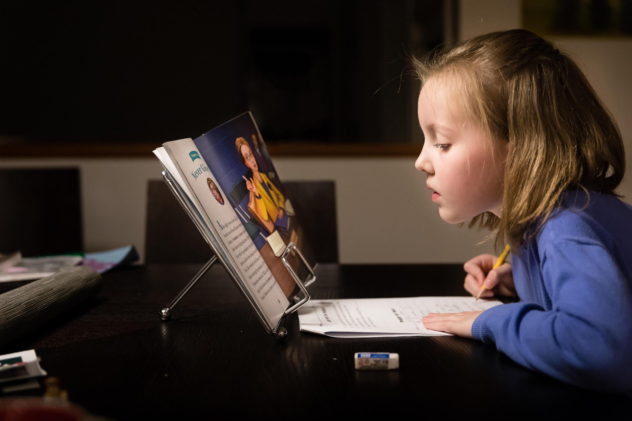 doing-homework-at-Home-photography-family-photo-session-portland-oregon-rebecca-hunnicutt-farren-25.jpg