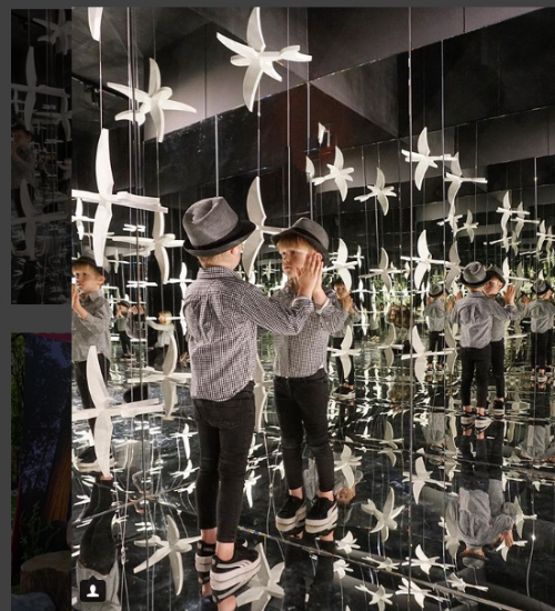 ESCHER: THE EXHIBITION AND EXPERIENCE at Industry City, Brooklyn is a great art installation for toddlers and parents, with immersive art experiences, family specific workshops and child friendly activities. All Image Credits:  @FOMOfeedkids