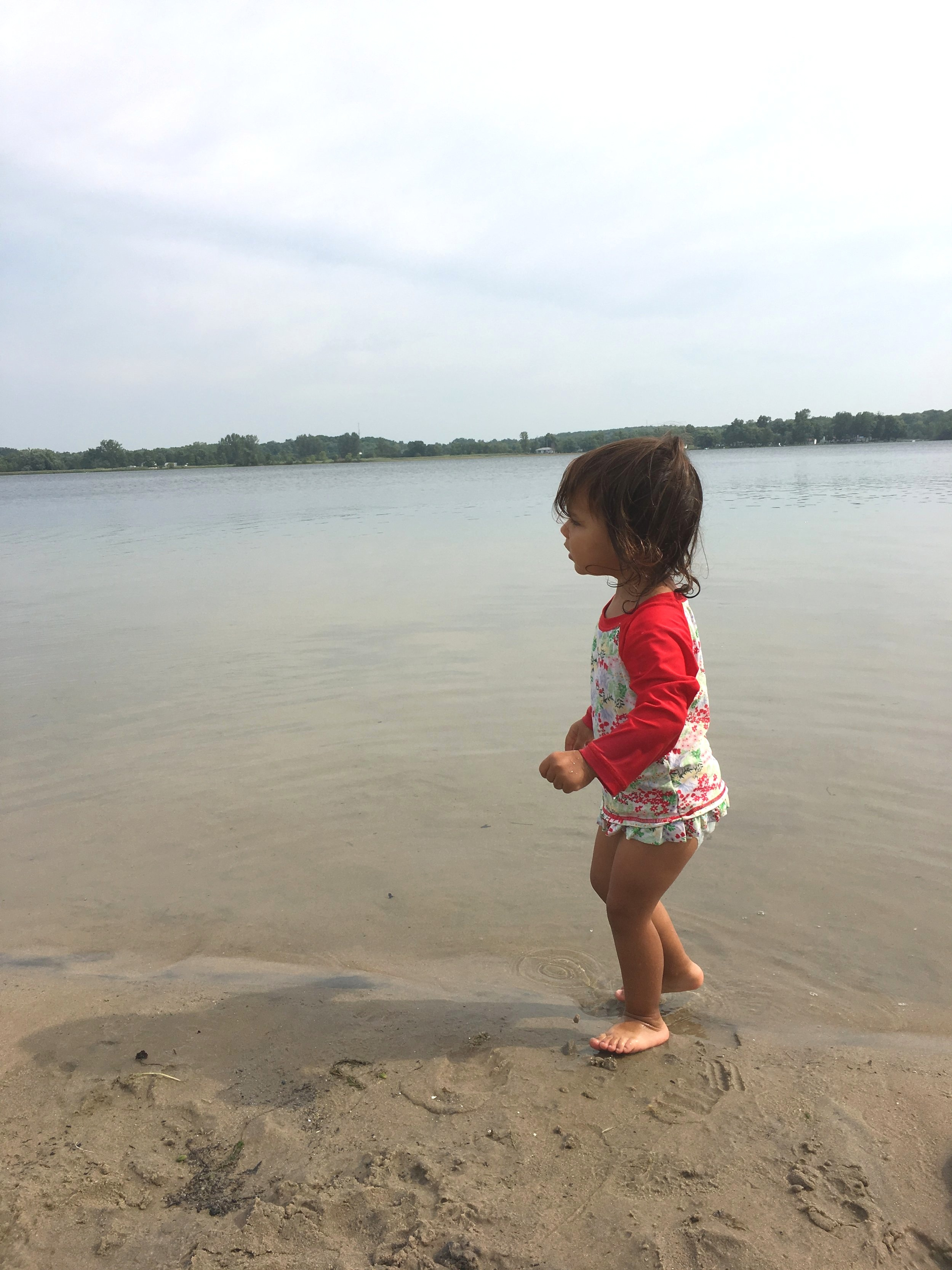 Baby friendly North Beach Provincal Park is the best Best beach for toddlers in Prince Edward County Ontario PEC ON #princeedwardcounty #visitpec
