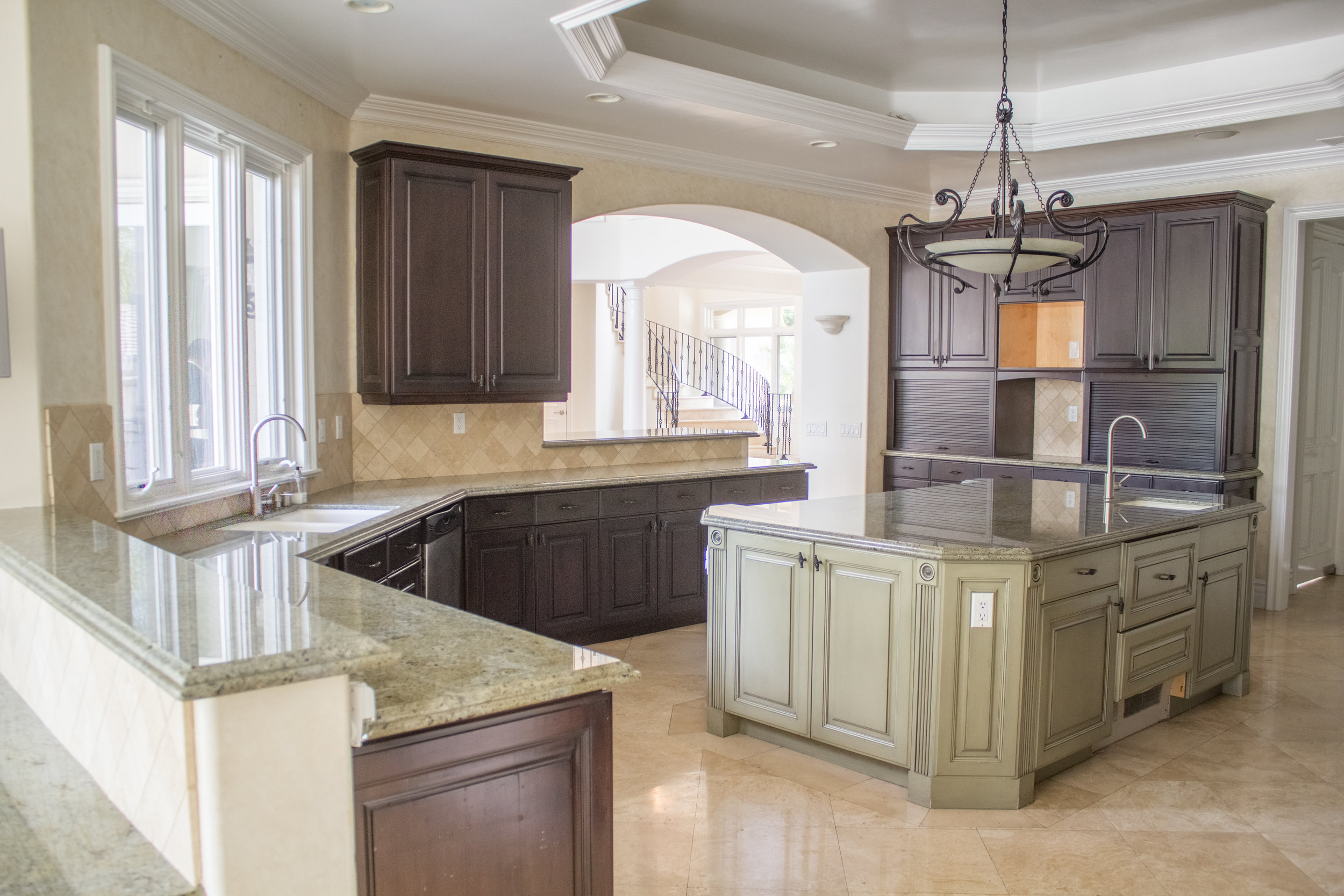Real Estate Photography of Bright Kitchen