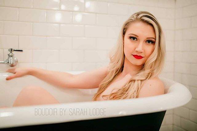 There's something about a clawfoot tub and a beautiful lady that makes me swoon! . . . . . #ctphotography #ctphotographer #grotonct #liveauthentic #connecticutphotographer  #connecticutboudoirphotographer  #lifestylephotographer  #bestboudoir #ctboudoirphotographer #newjerseyboudoir #phillyboudoir #beautyandboudoir #bridalboudoir #newenglandphotographer #boudoirbysarahlodge #boudoirphotographer #ledyardct #stoningtonct #westerlyri #rhodeislandphotographer #boudoirinspiration #njboudoir #njboudoirphotographer #njboudoirphotography #riboudoir #rhodeislandboudoir #domorephotographer #dmwl #intimatelifestylephotography
