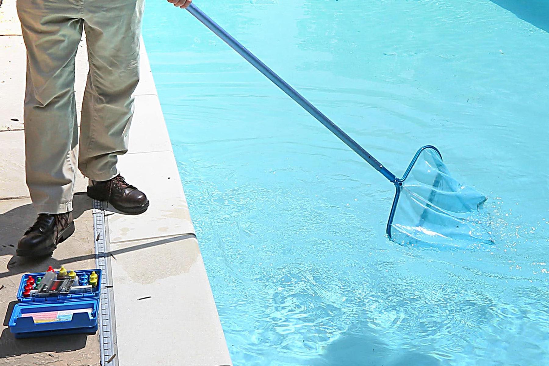 Pool-Maintenance-Service-Hammerhead-Pools.jpg