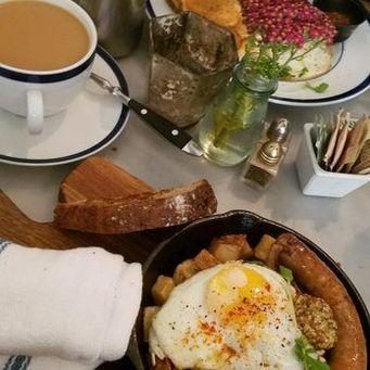 le-salbuen-breakfast.jpg