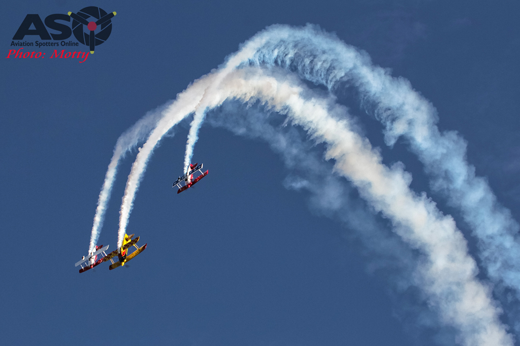 Mottys-Hunter-Valley-Airshow-2015-Sky-Aces-0006.jpg