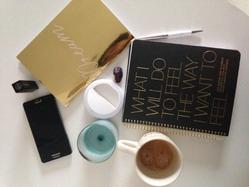 items on y desk.jpg