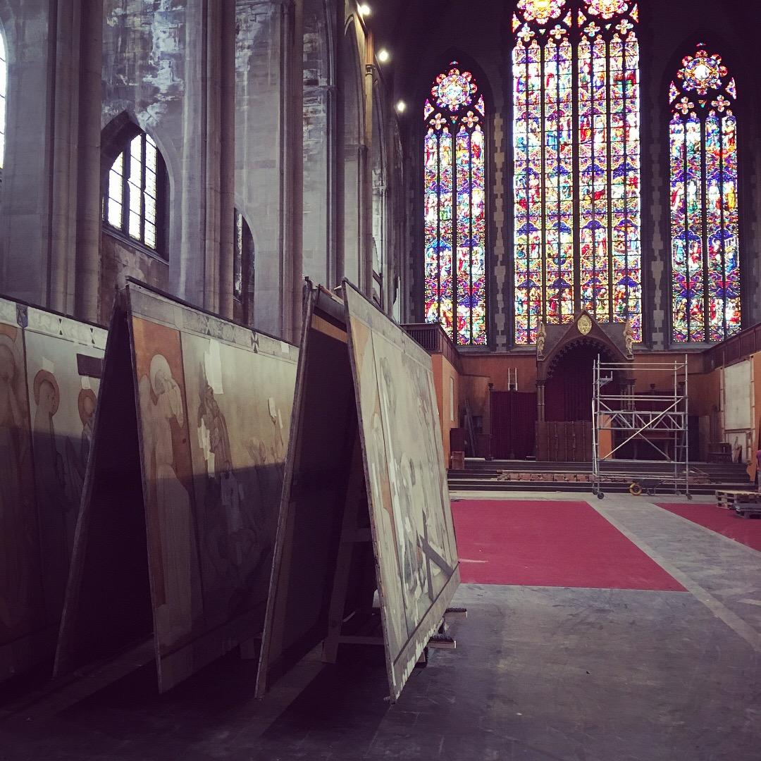Eglise Saint Henri, Bruxelles, Conservation et restauration des 14 peintures de la descente de croix.JPG