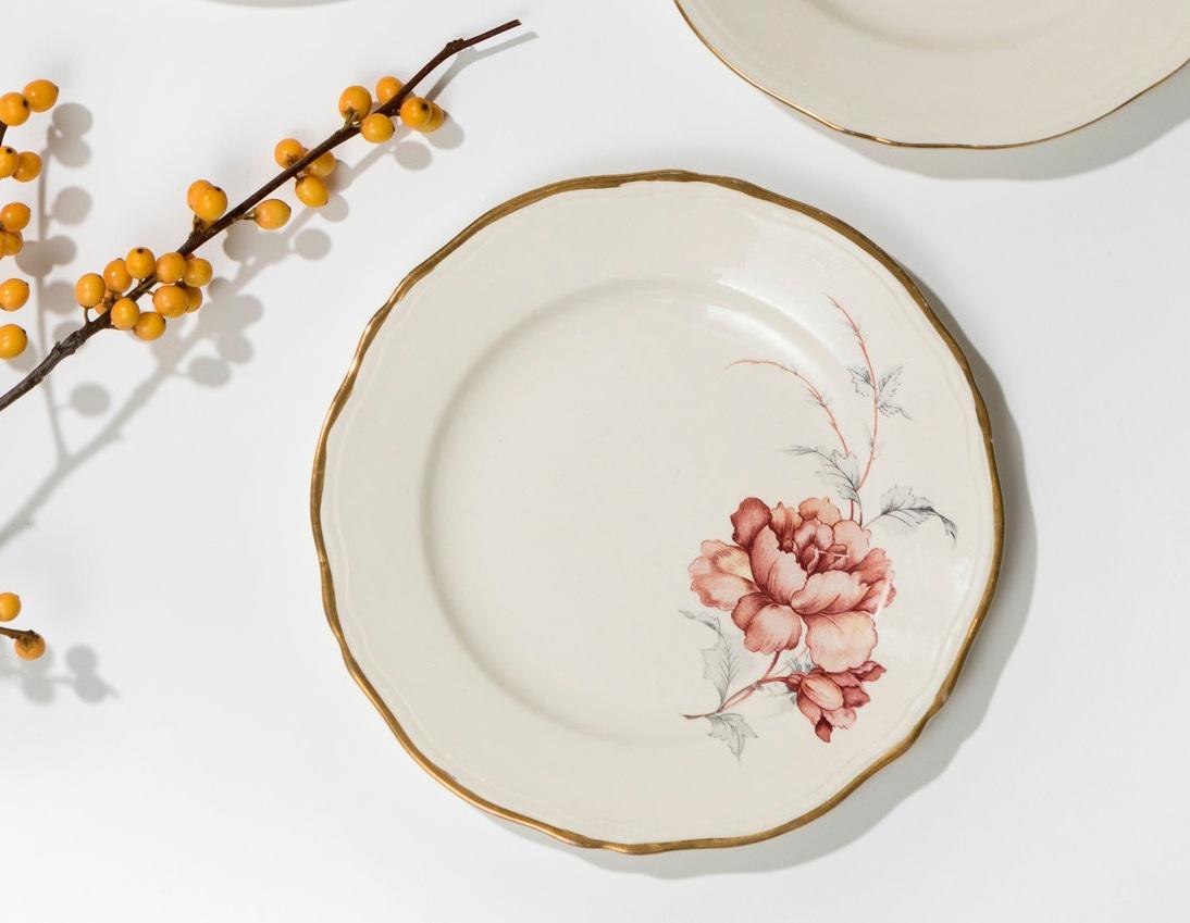 Blomstermotiv og gullkant - Vintage