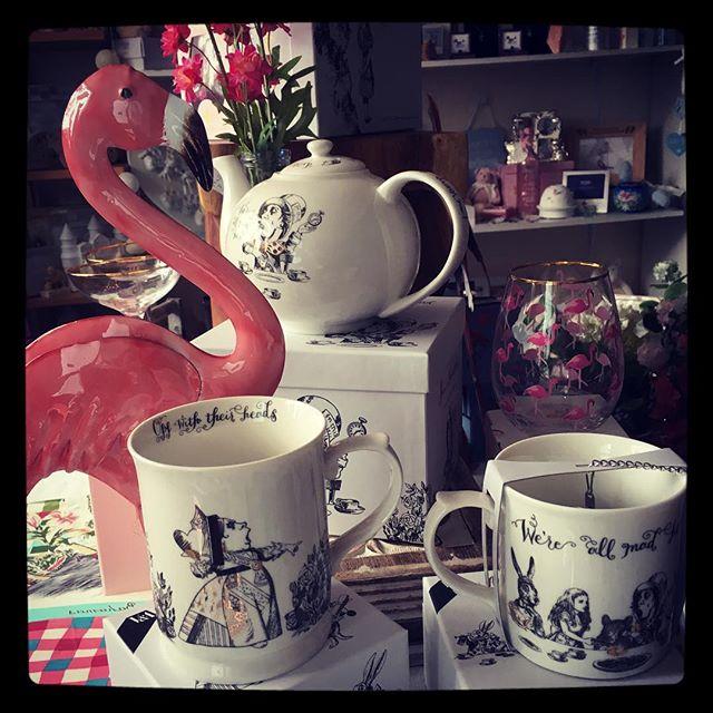 ✨✨Alice in Wonderland tableware just arrived in stock ✨✨#aliceinwonderland #insideparadisenantwich #giftideas #mug #ceramics #flamingo #birthday #wedding