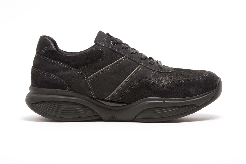 SWX5 - Koot: 39 - 45Väri: Musta225 €