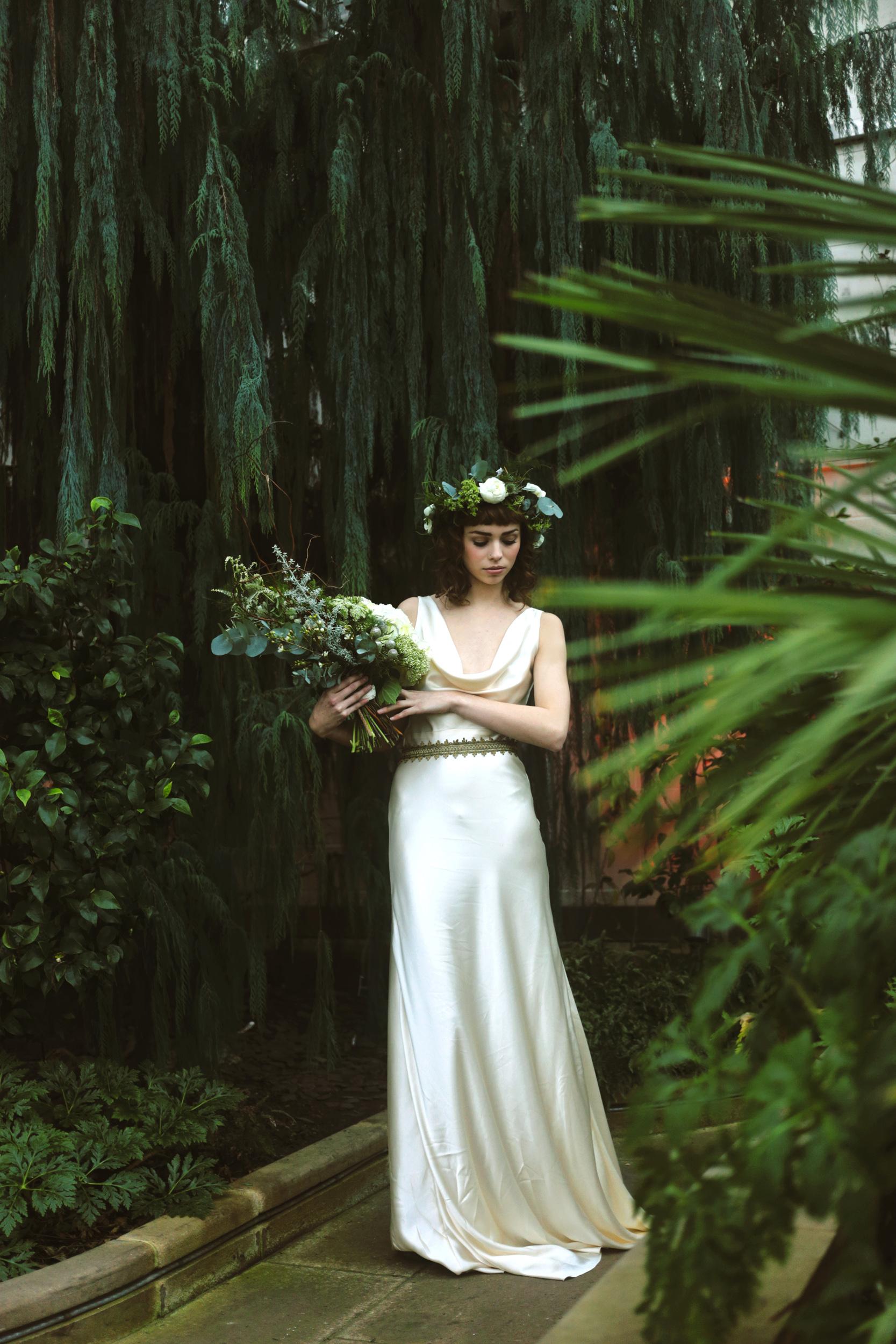 Winter-Bridal-Kate-Beaumont-Shelley-Richmond-Vintage-Wedding-Dress-6.jpg