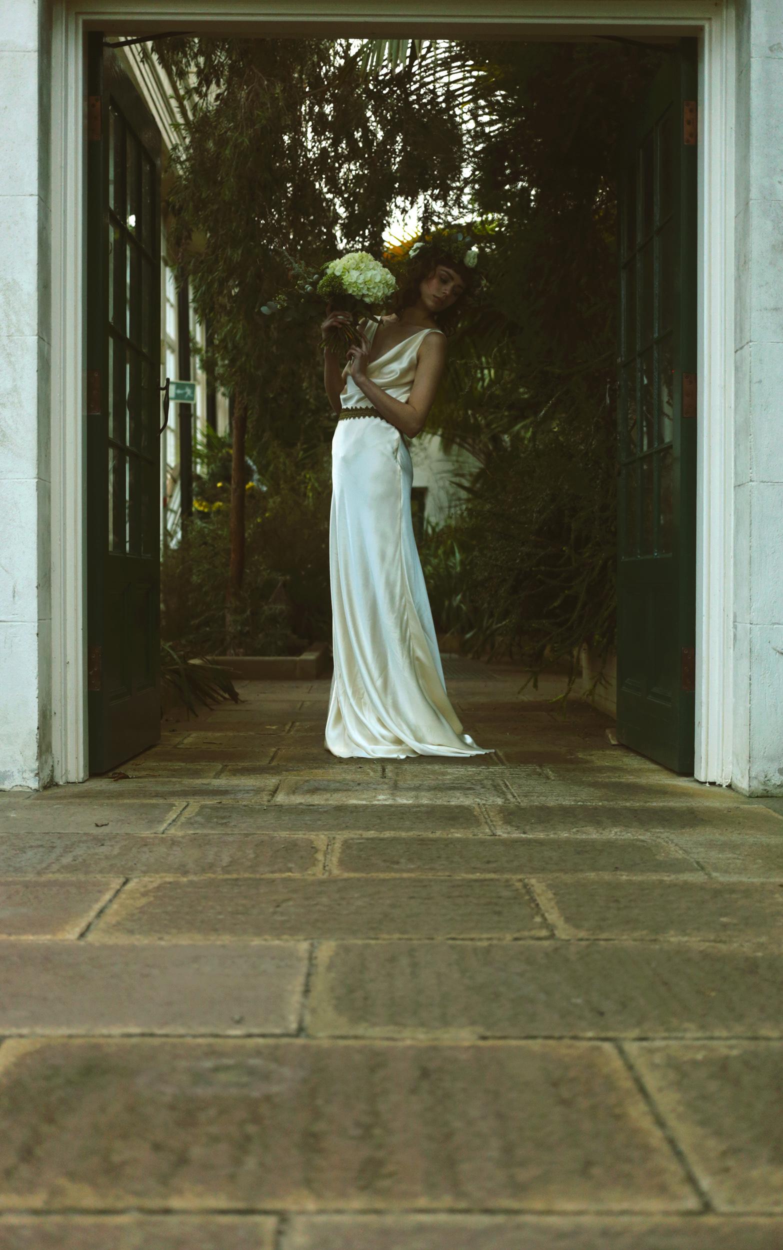 Winter-Bridal-Kate-Beaumont-Shelley-Richmond-Vintage-Wedding-Dress-8.jpg
