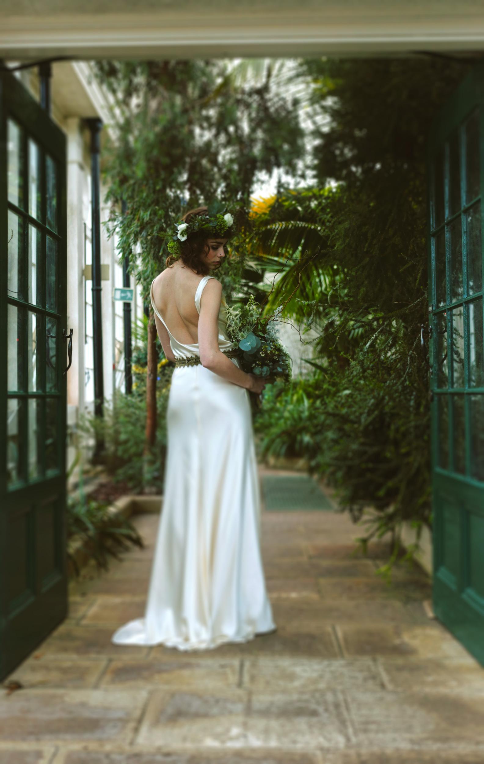 Winter-Bridal-Kate-Beaumont-Shelley-Richmond-Vintage-Wedding-Dress-9.jpg