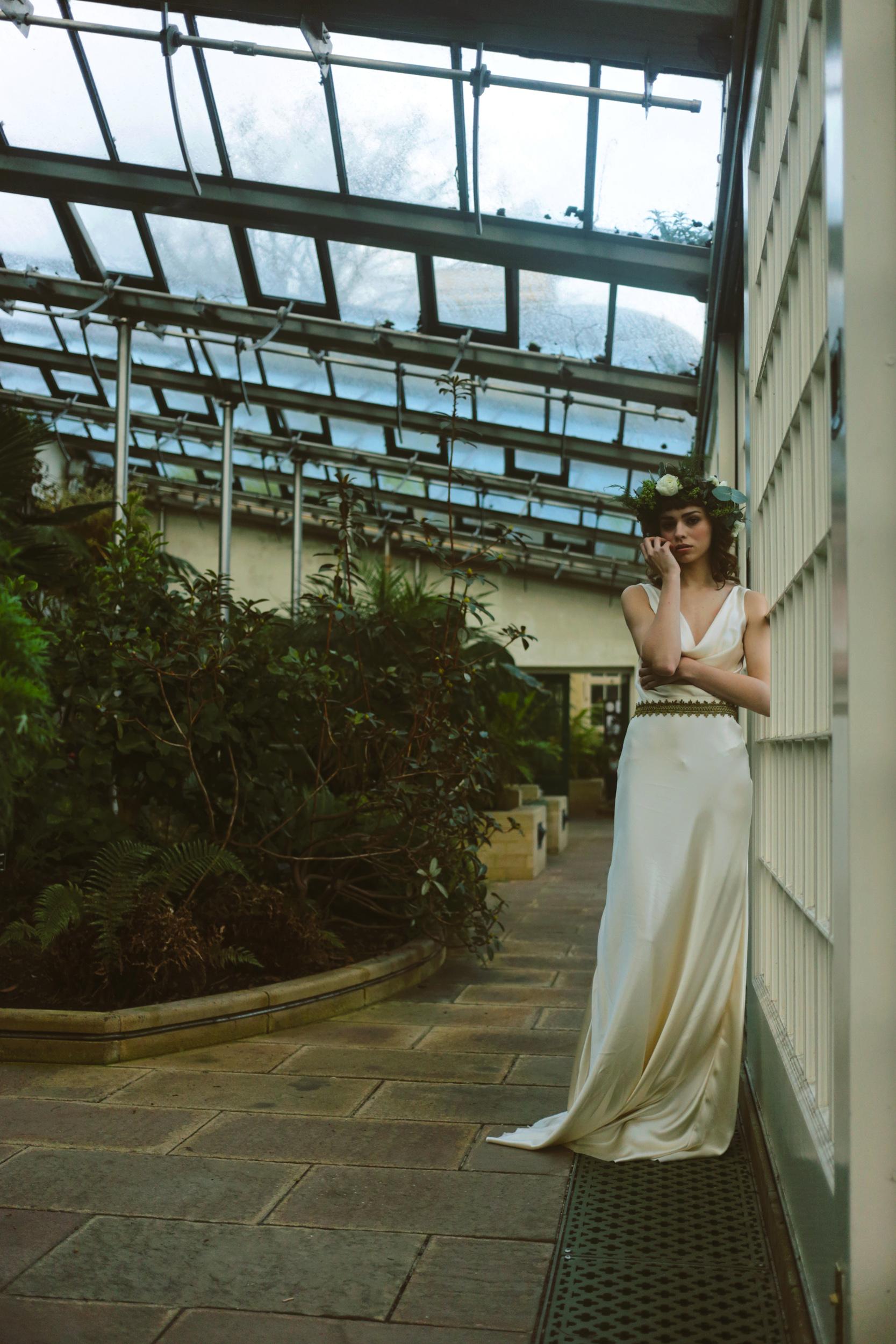 Winter-Bridal-Kate-Beaumont-Shelley-Richmond-Vintage-Wedding-Dress-11.jpg