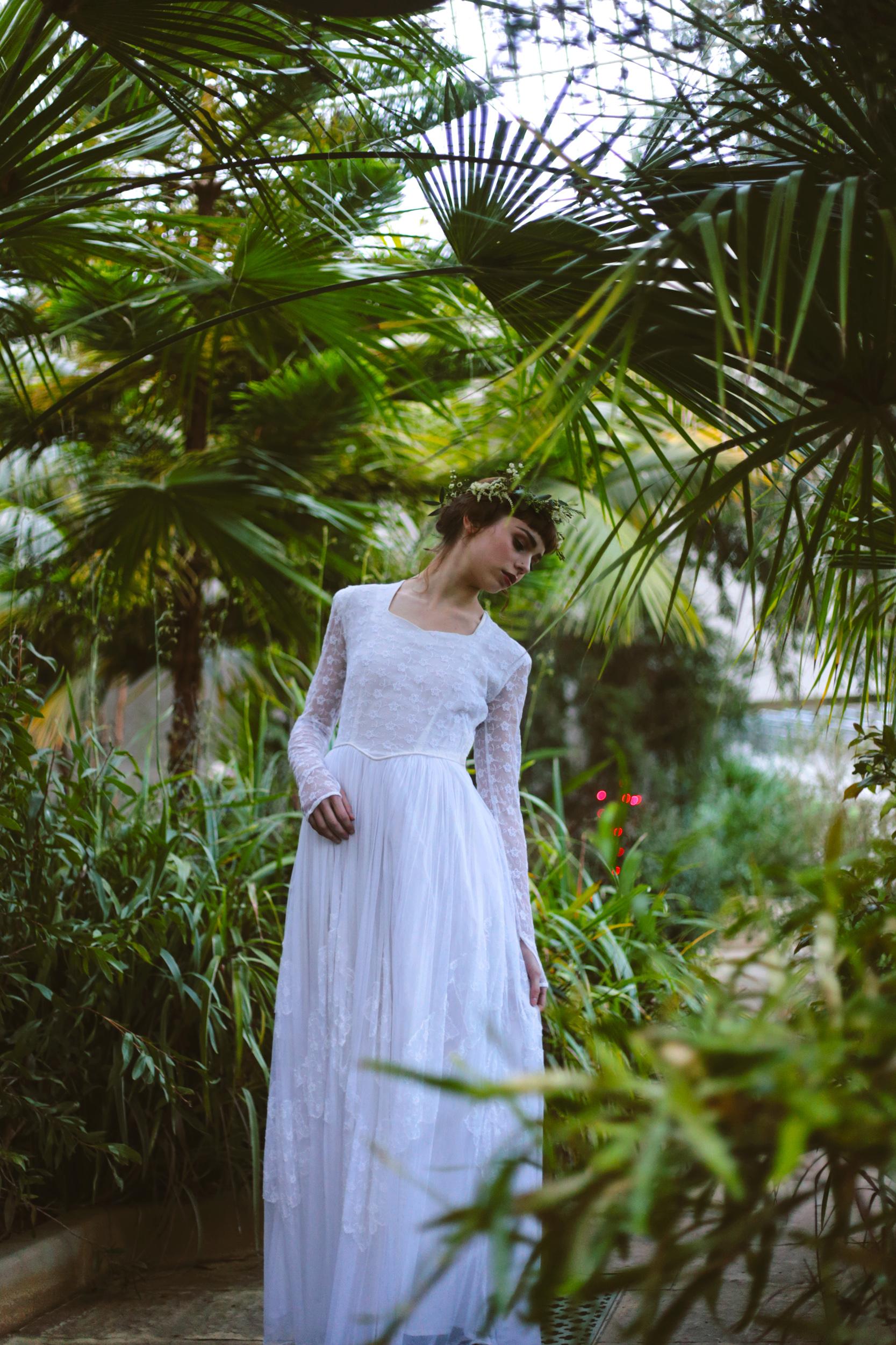 Winter-Bridal-Kate-Beaumont-Shelley-Richmond-Vintage-Wedding-Dress-18.jpg