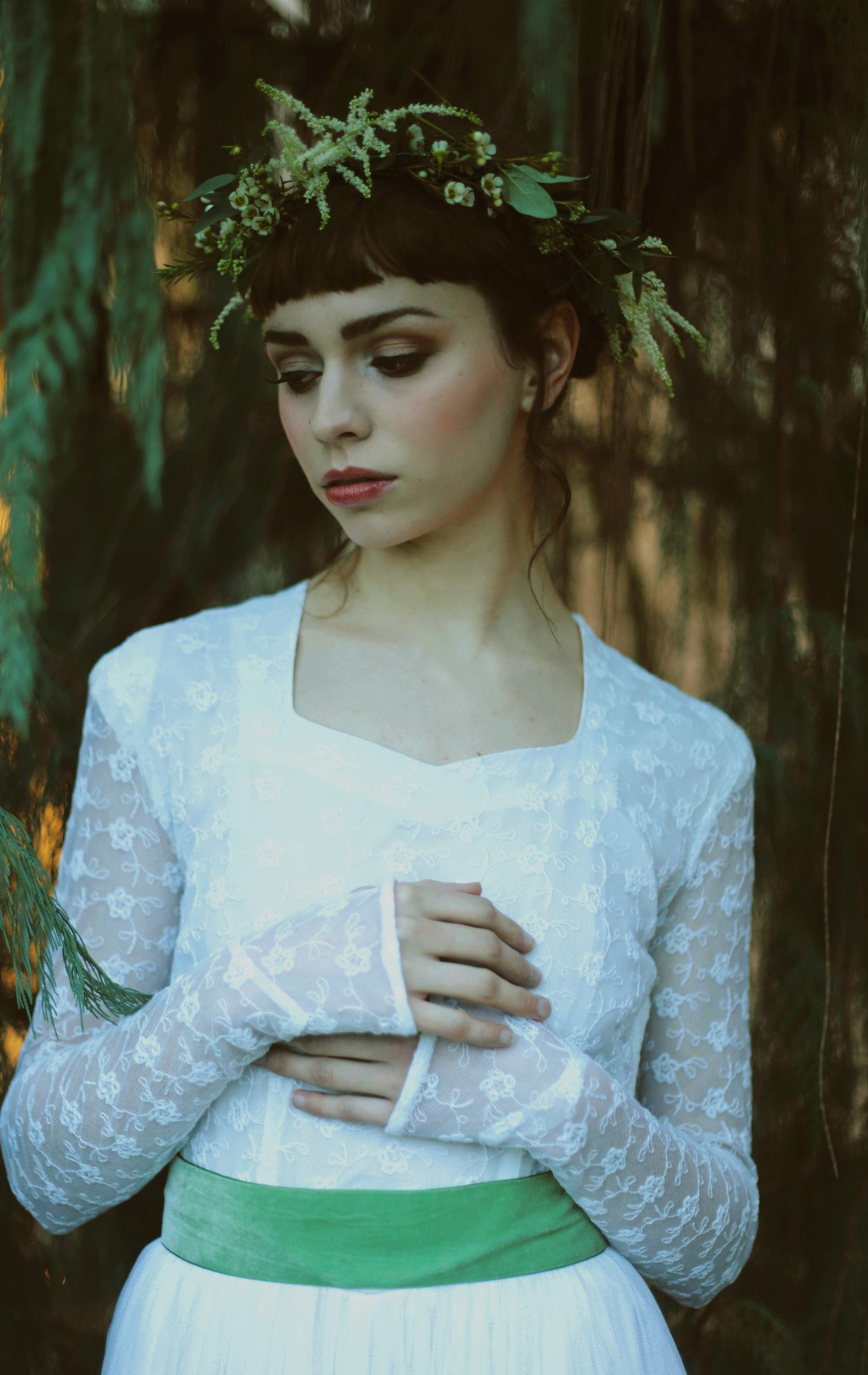 Winter-Bridal-Kate-Beaumont-Shelley-Richmond-Vintage-Wedding-Dress-22.jpg