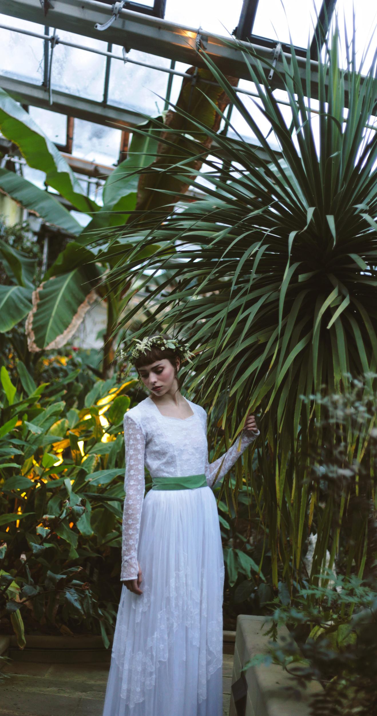 Winter-Bridal-Kate-Beaumont-Shelley-Richmond-Vintage-Wedding-Dress-24.jpg