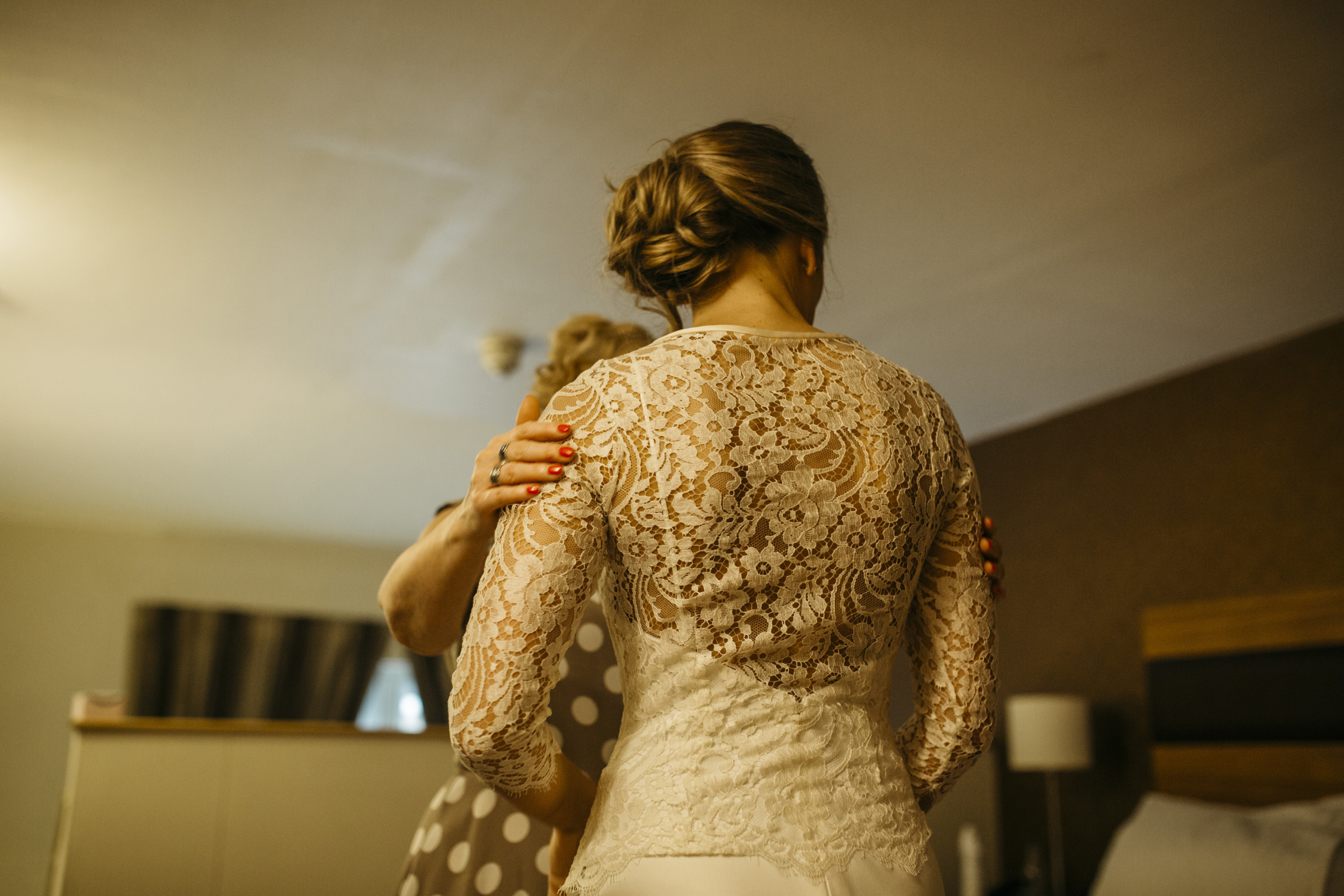 Aimi-Kate-Beaumont-Lace-Wedding-Dress-Sheffield-Kindred-Photography-1.jpg