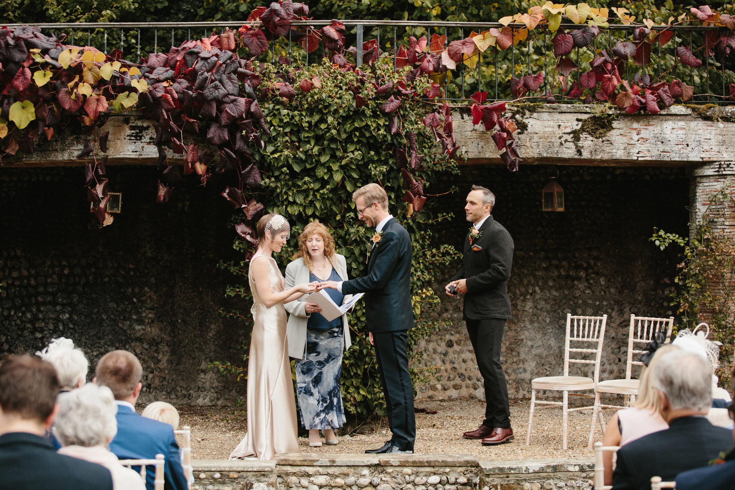 Kate-Beaumont-Sheffield-Honeysuckle-bias-cut-wedding-dress-oyster-Rosie10.jpg