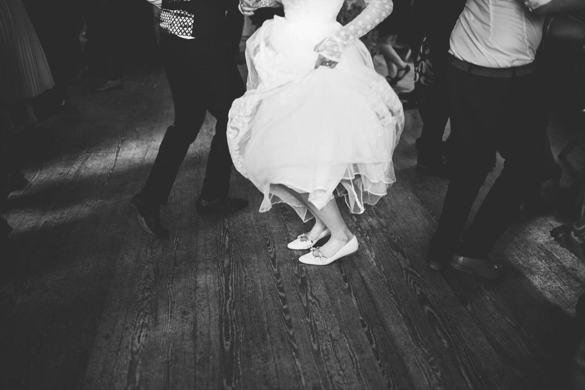 Cathryn-Kate-Beaumont-vintage-lace-wedding-dress-Sheffield-Yorkshire9.jpg