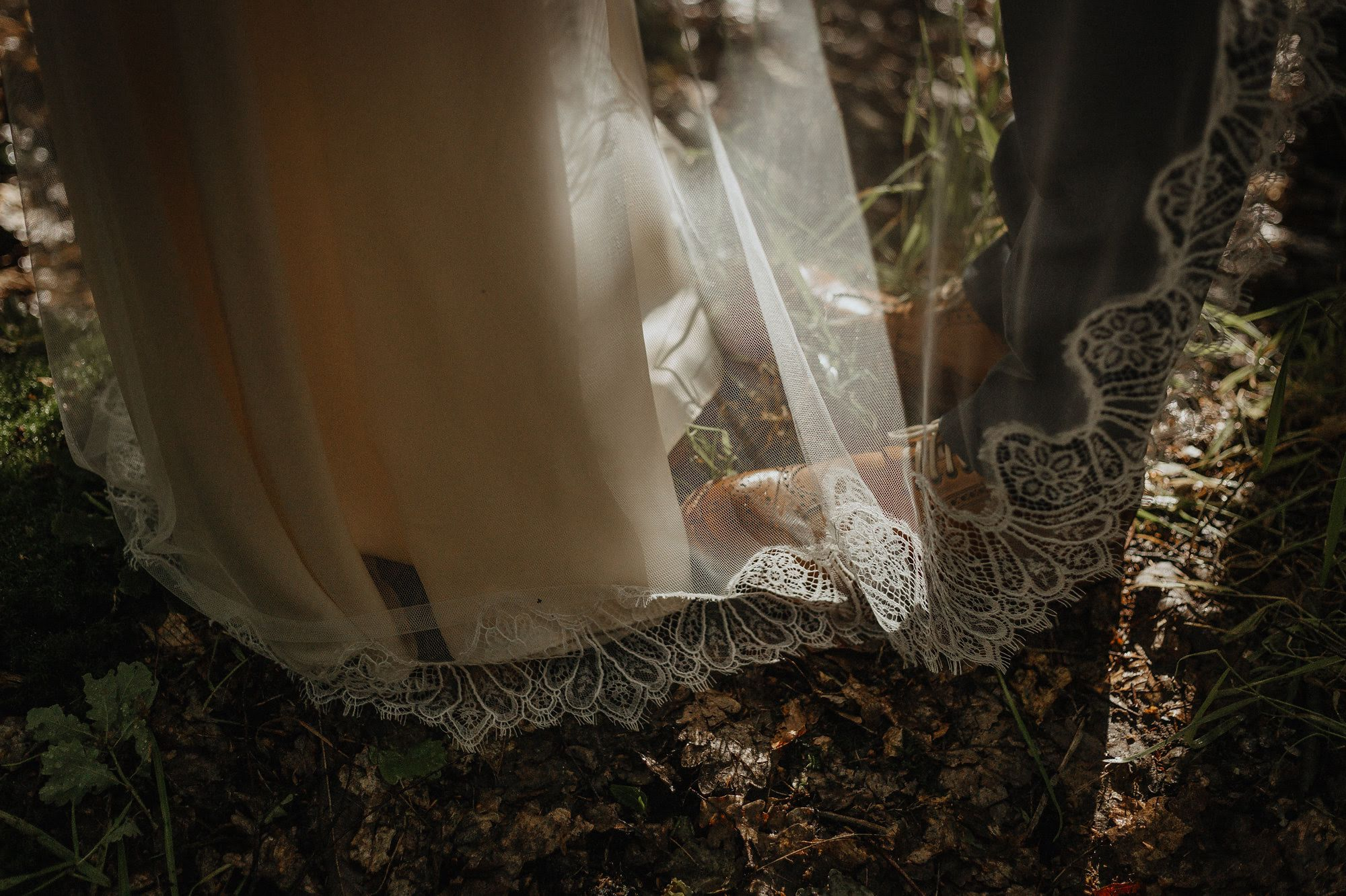 Rowanne-Laid-back-Woodland-Wedding-Sheffield-Clematis-Lace-Silk-Bohemian-Wedding-Gown-Kate-Beaumont-35.jpg