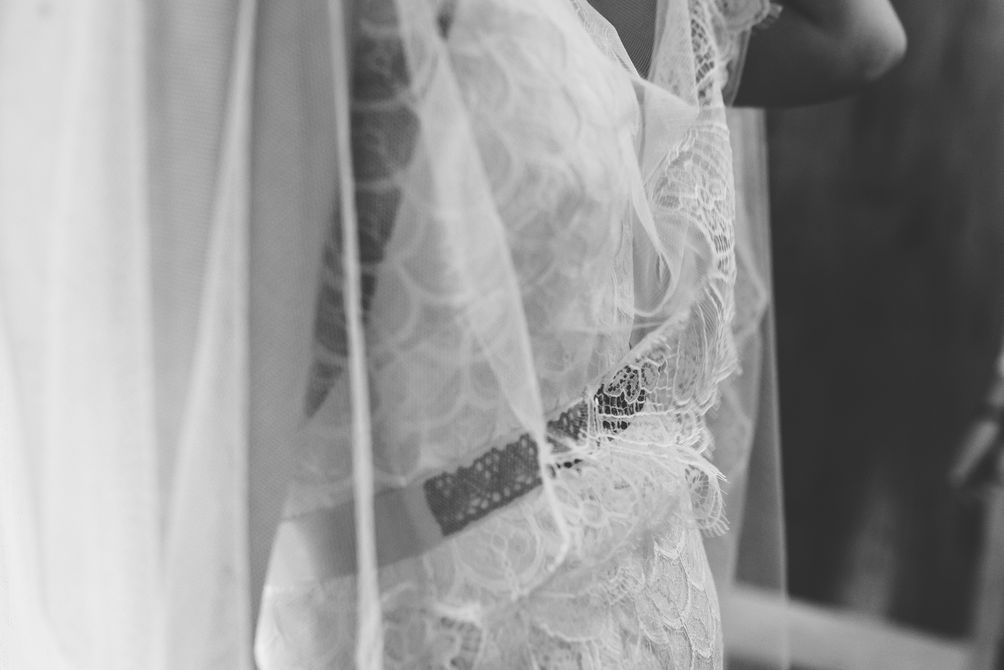 Kate-Beaumont-Sheffield-Lucy-Bohemian-Lace-Dress-Barn-Wedding-Cumbria-31.jpg