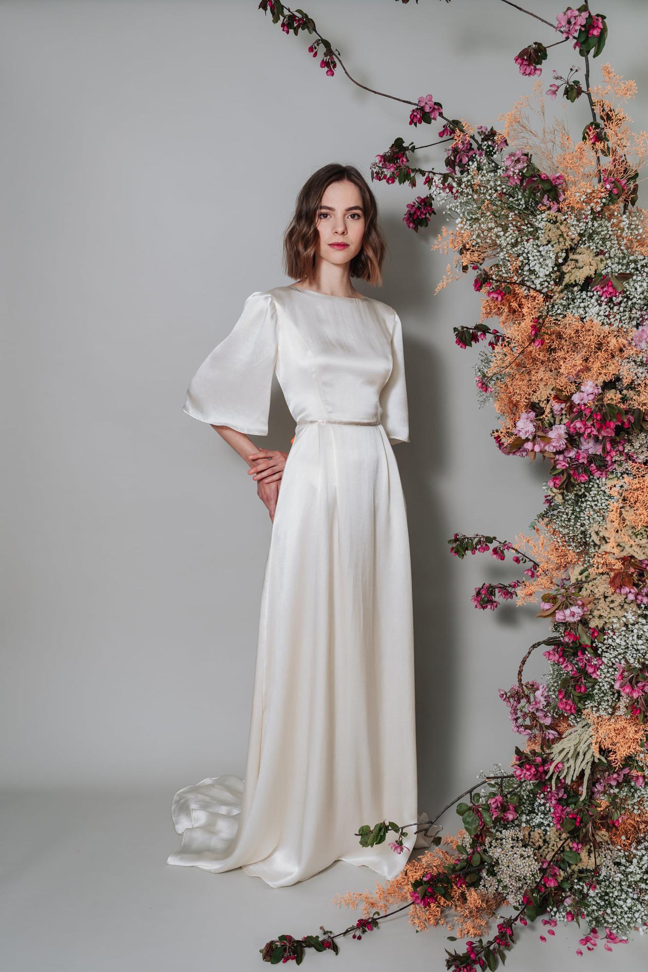 Kate-Beaumont-Lunaria-Bohemian-Hammered-Silk-Wedding-Dress-Sleeves-7.jpg
