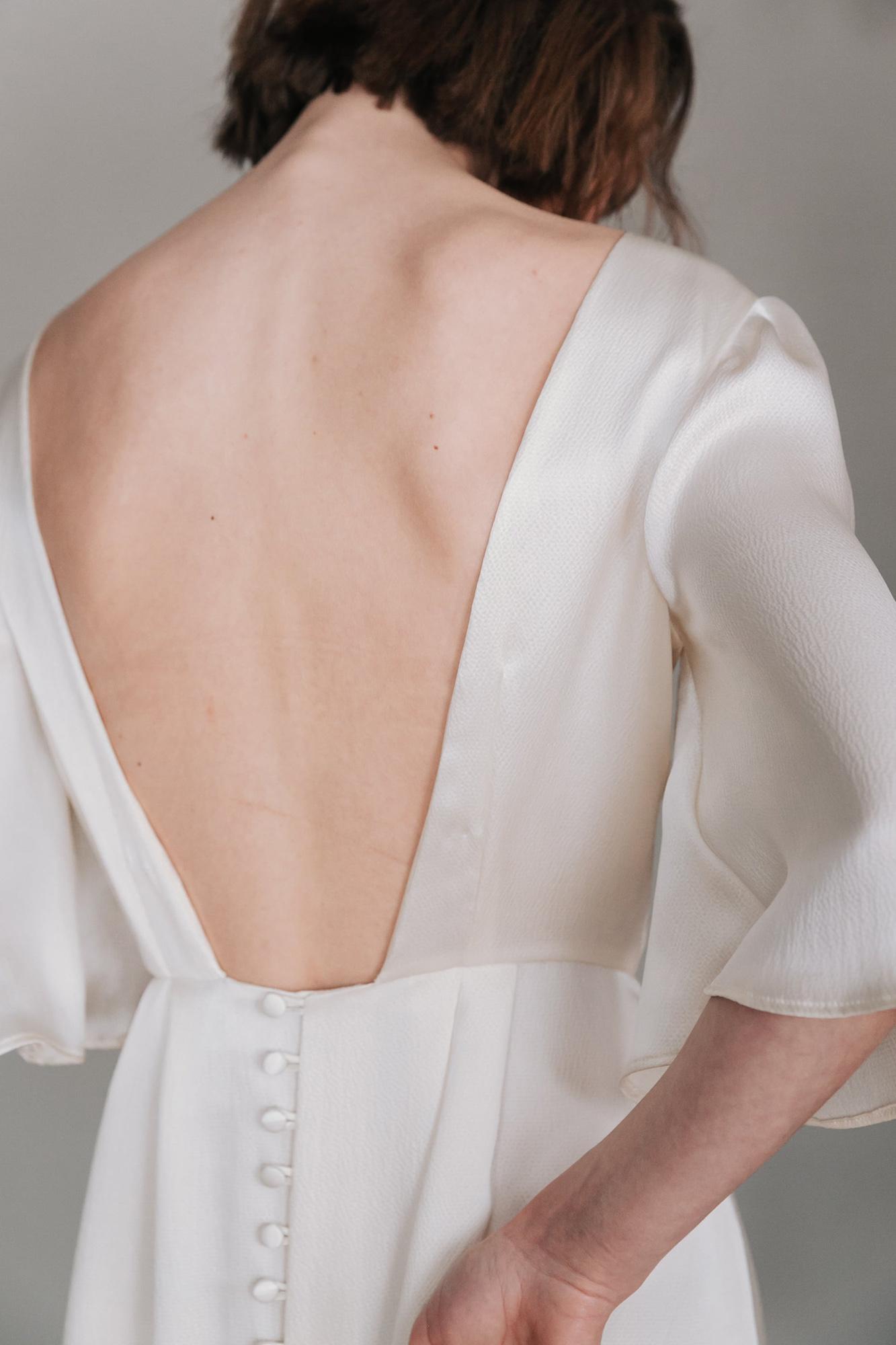 Kate-Beaumont-Lunaria-Bohemian-Hammered-Silk-Wedding-Dress-Sleeves-12.jpg