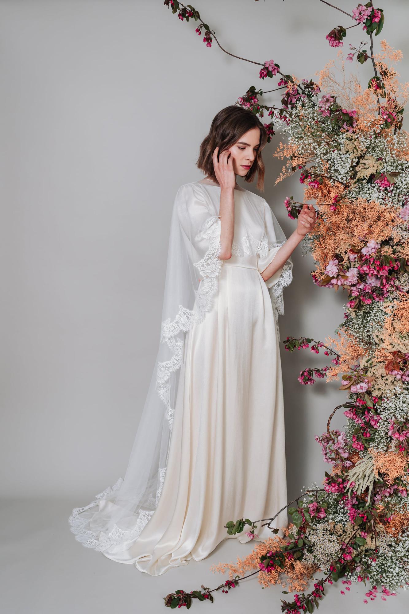 Kate-Beaumont-Lunaria-Bohemian-Hammered-Silk-Wedding-Dress-Sleeves-16.jpg