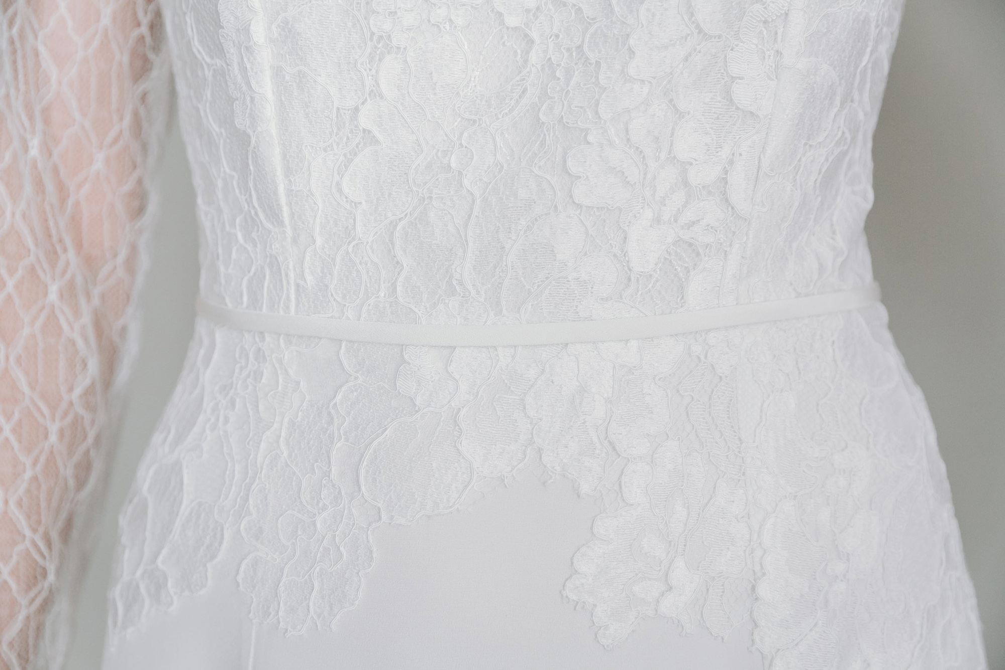 Kate-Beaumont-Sheffield-Geranium-Applique-Lace-Silk-Modern-Minimal-Long-Sleeved-Wedding-Gown-5.jpg