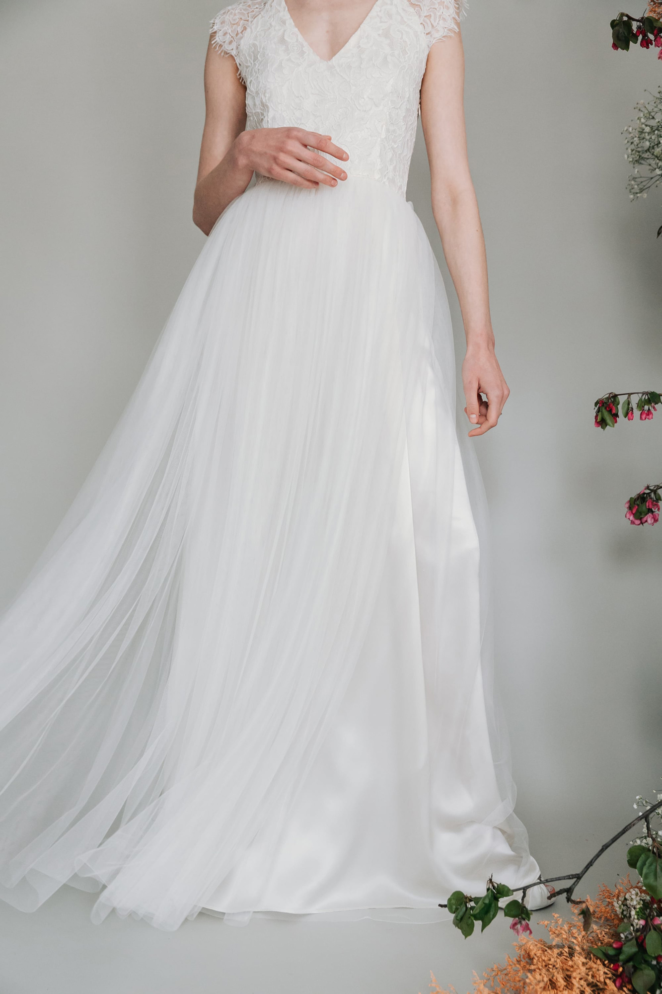 Kate-Beaumont-Sheffield-Mimosa-Lace-Tulle-Bohemian-Wedding-Gown-1.jpg