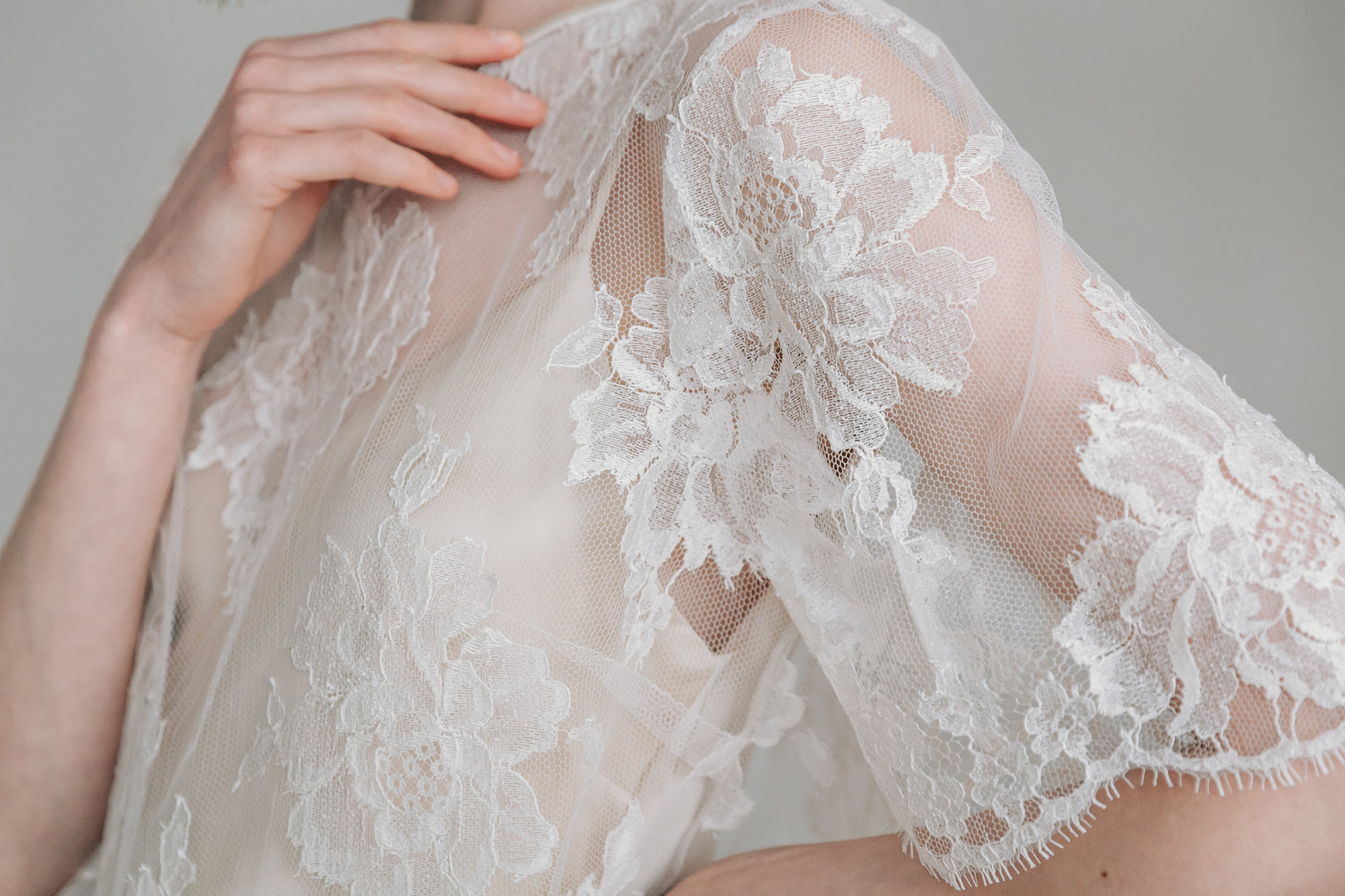 Kate-Beaumont-Sheffield-Rosa-Floral-Lace-Jacket-Thistle-Bias-Cut-Pearl-Silk-Wedding-Gown-3.jpg