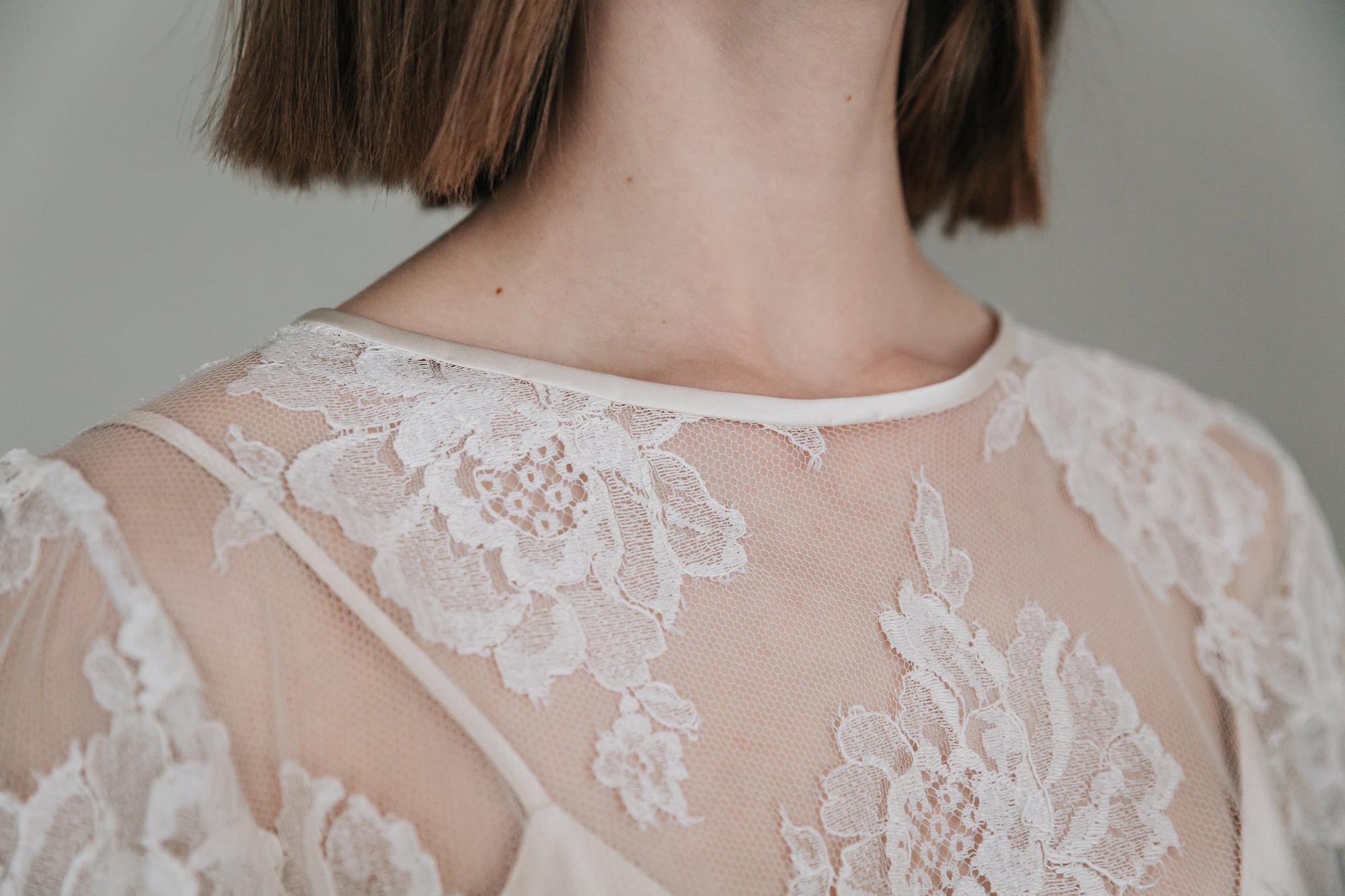 Kate-Beaumont-Sheffield-Rosa-Floral-Lace-Jacket-Thistle-Bias-Cut-Pearl-Silk-Wedding-Gown-6.jpg