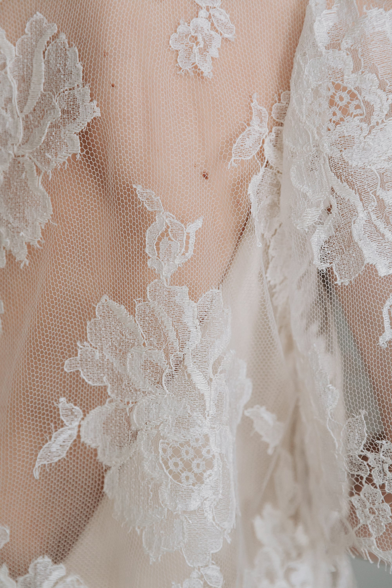 Kate-Beaumont-Sheffield-Rosa-Floral-Lace-Jacket-Thistle-Bias-Cut-Pearl-Silk-Wedding-Gown-8.jpg