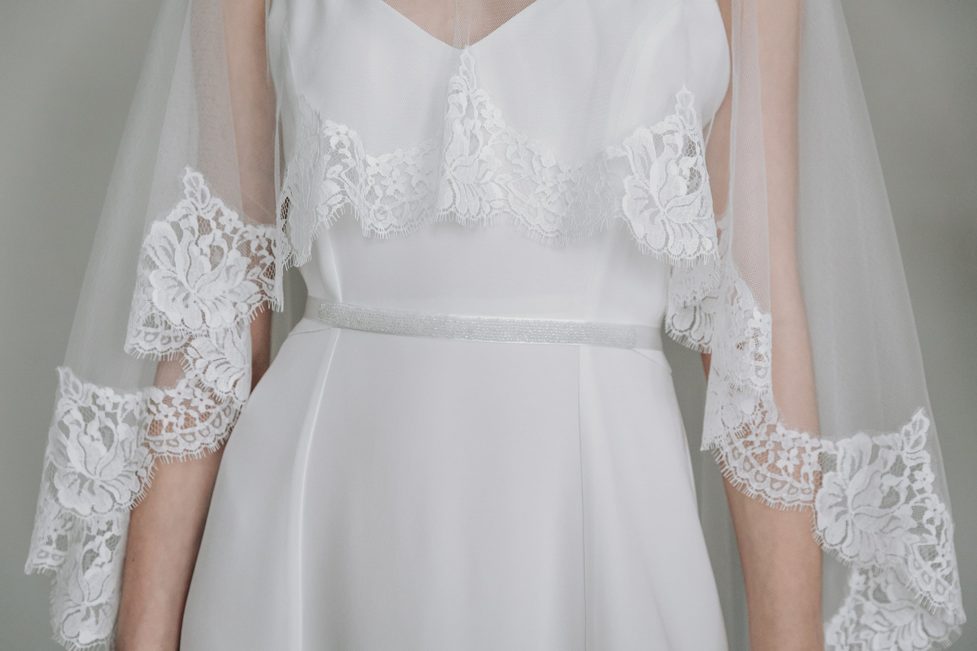 Kate-Beaumont-Sheffield-Rose-Lace-Hem-Bridal-Cape-Veil-9.jpg