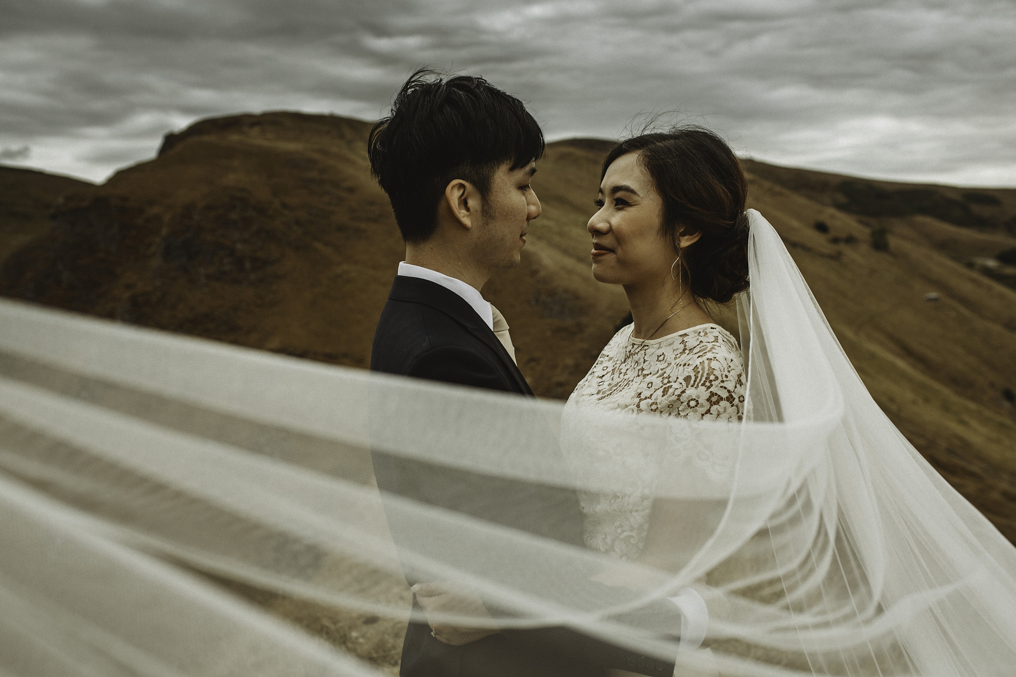 Kate-Beaumont-Wedding-Dress-Bridal-Separates-Peak-District-Shoot-2a.jpg