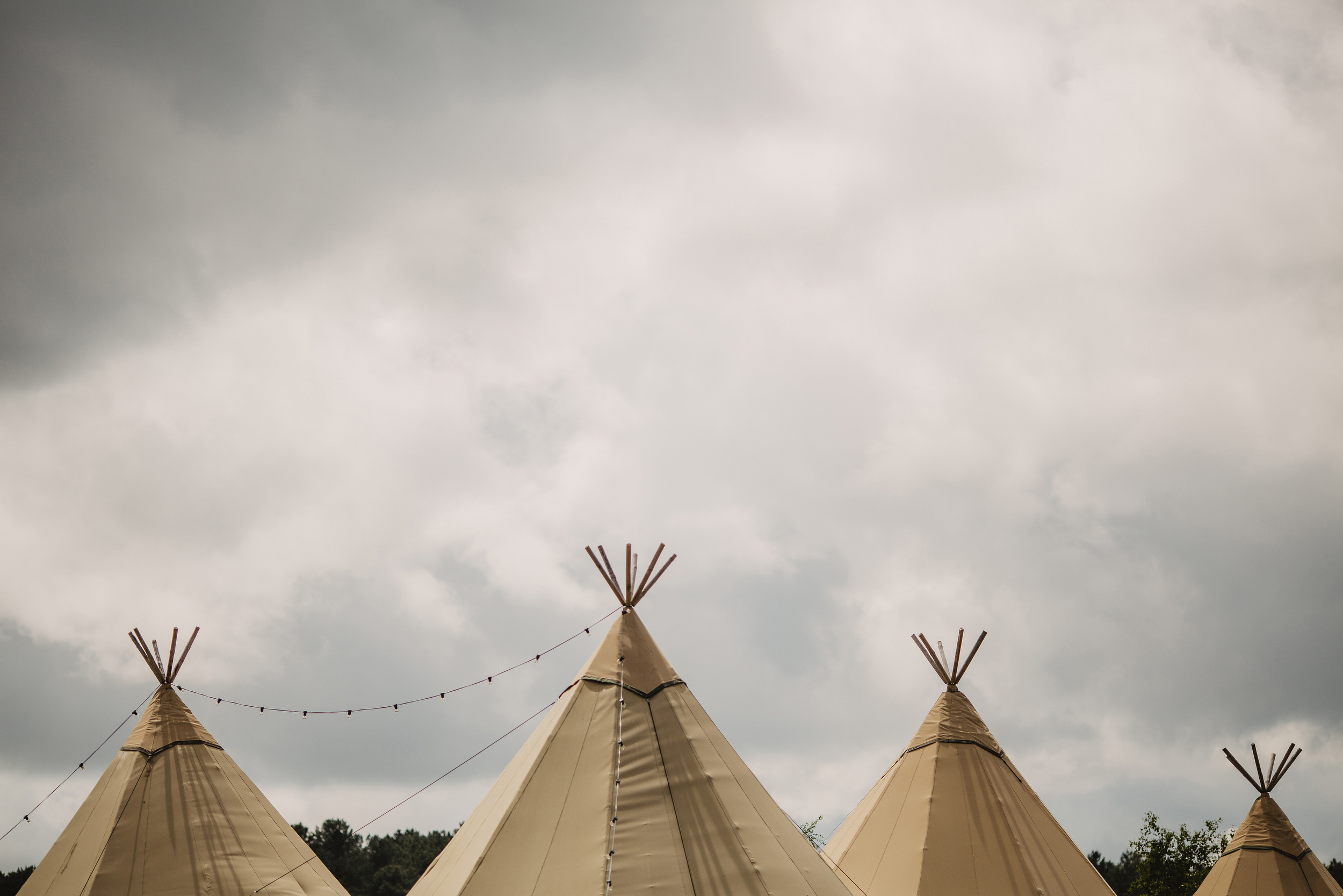 Gemma-Bohemian-Outdoor-Tipi-Wedding-Laid-Back-Relaxed-Family-Wedding-Kate-Beaumont-Astilbe-by-S6-Photography-Sheffield-6.jpg