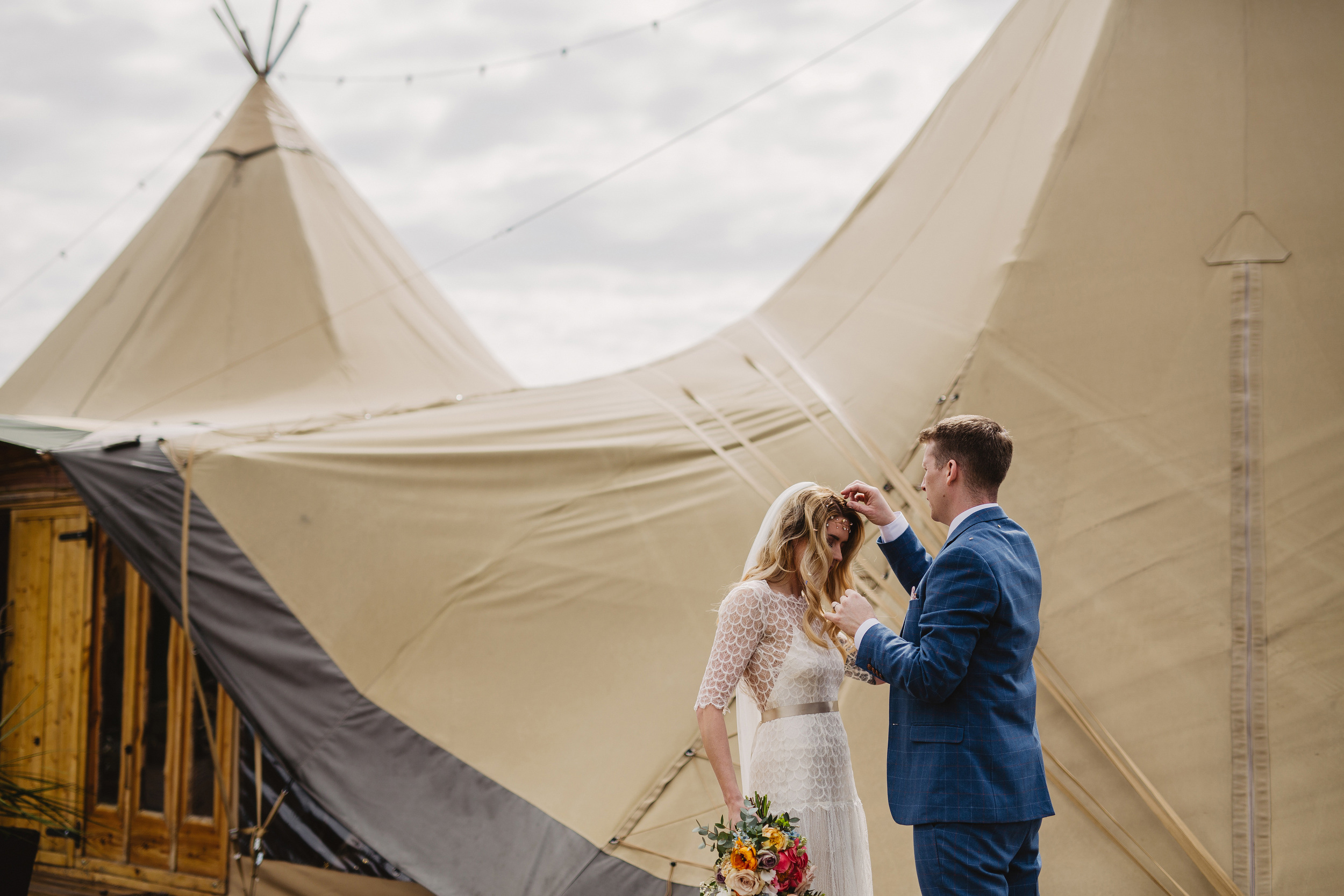 Gemma-Bohemian-Outdoor-Tipi-Wedding-Laid-Back-Relaxed-Family-Wedding-Kate-Beaumont-Astilbe-by-S6-Photography-Sheffield-22.jpg