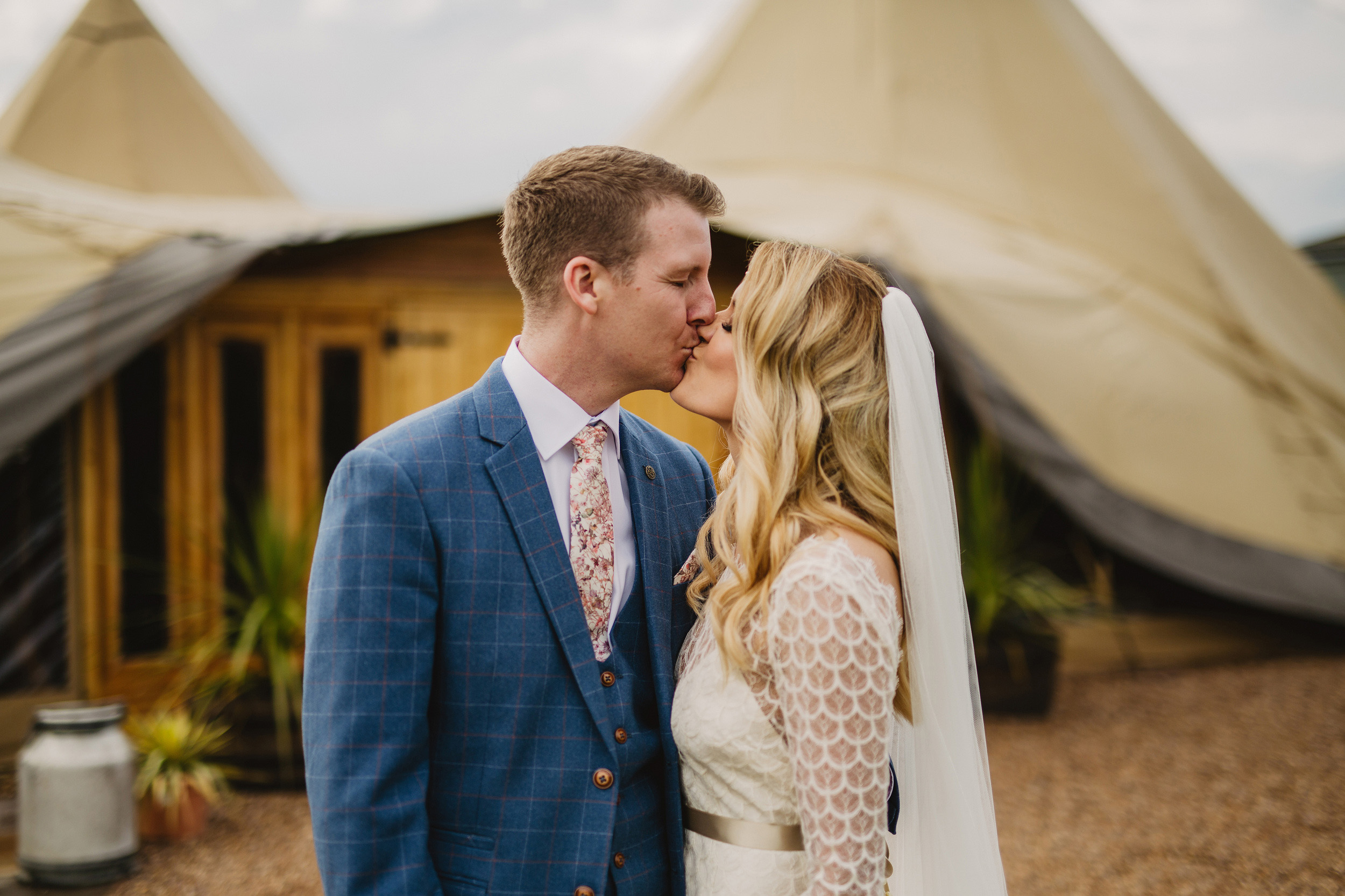 Gemma-Bohemian-Outdoor-Tipi-Wedding-Laid-Back-Relaxed-Family-Wedding-Kate-Beaumont-Astilbe-by-S6-Photography-Sheffield-26.jpg