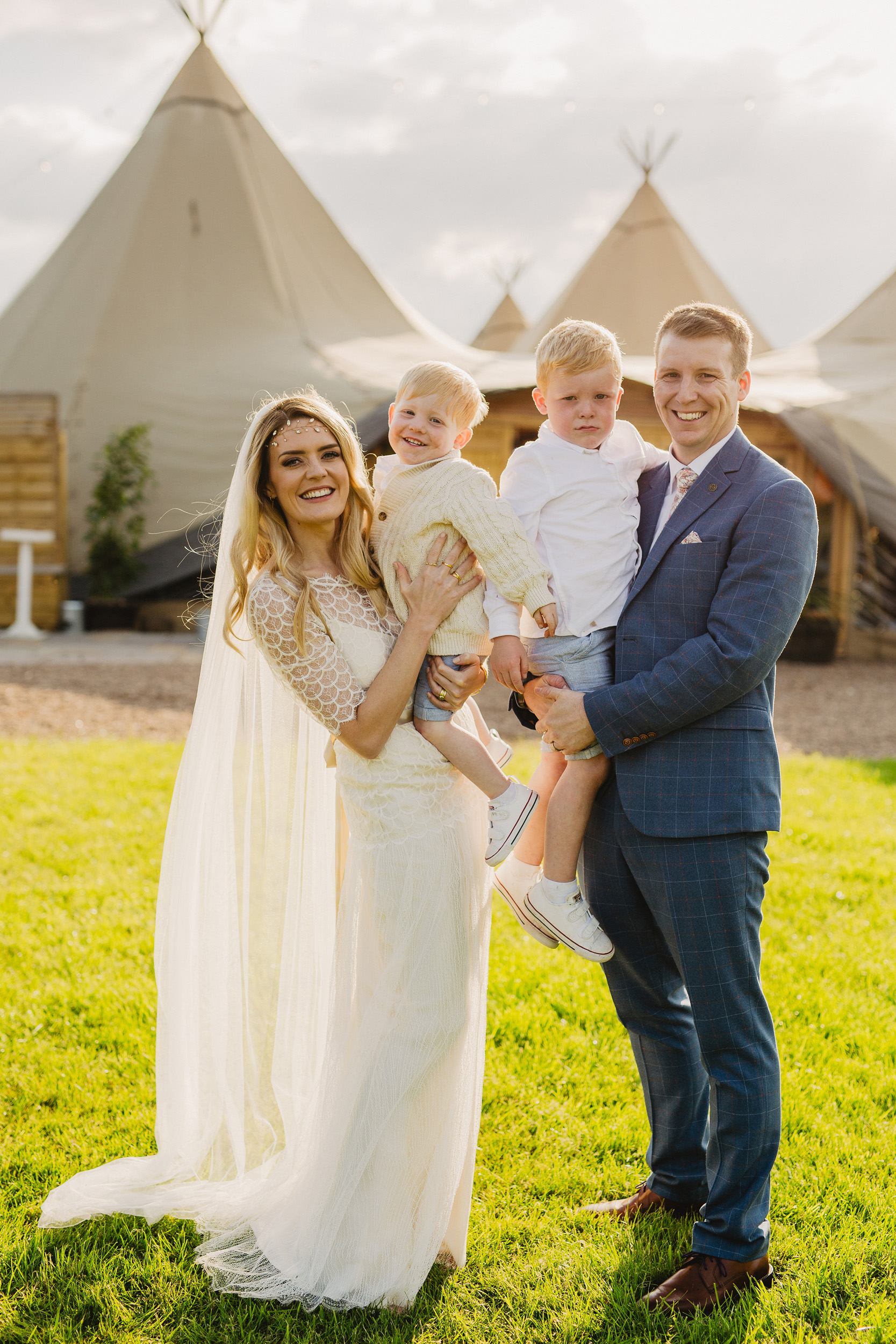 Gemma-Bohemian-Outdoor-Tipi-Wedding-Laid-Back-Relaxed-Family-Wedding-Kate-Beaumont-Astilbe-by-S6-Photography-Sheffield-40.jpg