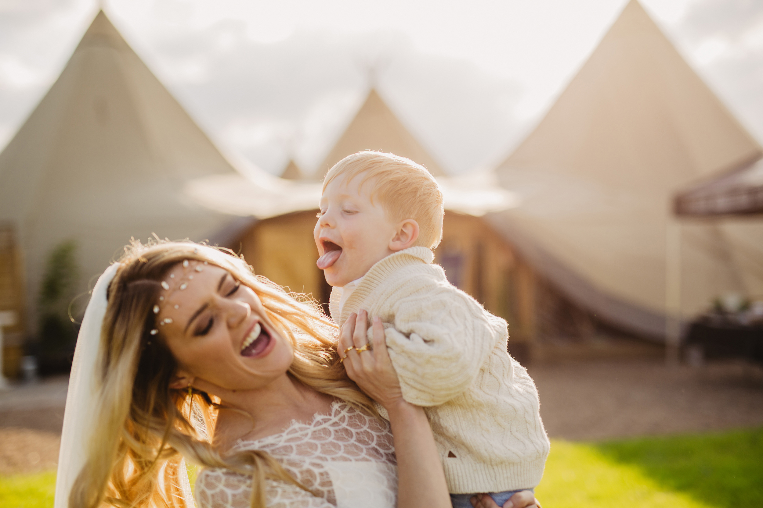 Gemma-Bohemian-Outdoor-Tipi-Wedding-Laid-Back-Relaxed-Family-Wedding-Kate-Beaumont-Astilbe-by-S6-Photography-Sheffield-41.jpg