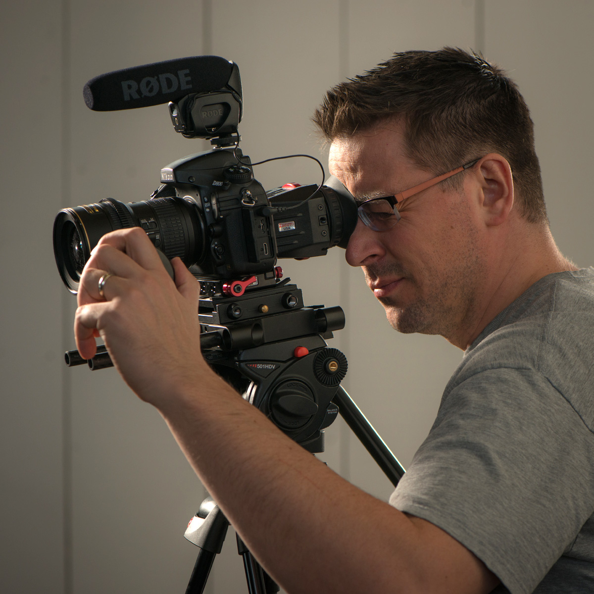 Videographer-2.jpg