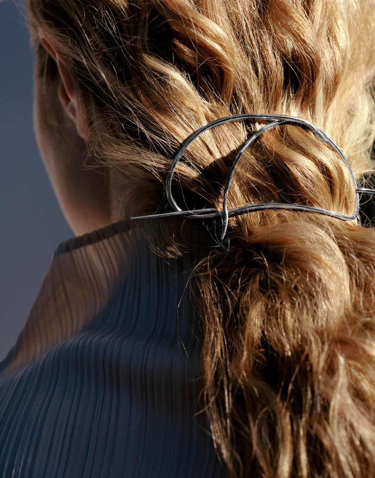 Completedworks-Tied-Hair-Pin-Silver-Brooch-A1022-10.jpg