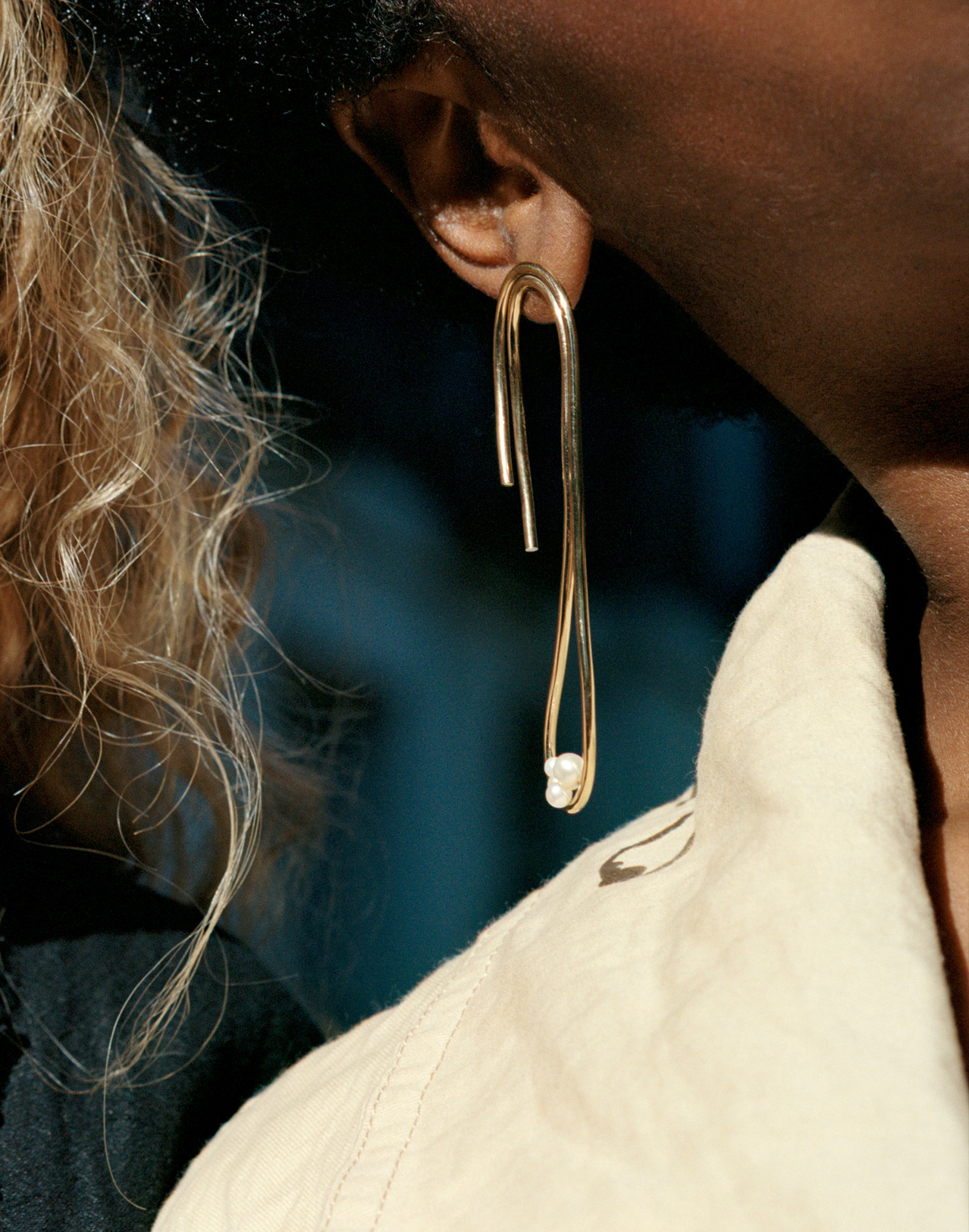 Completedworks-Earring-Gold-Vermeil-The-Advice-of-Edvard-Munch-20-1.jpg