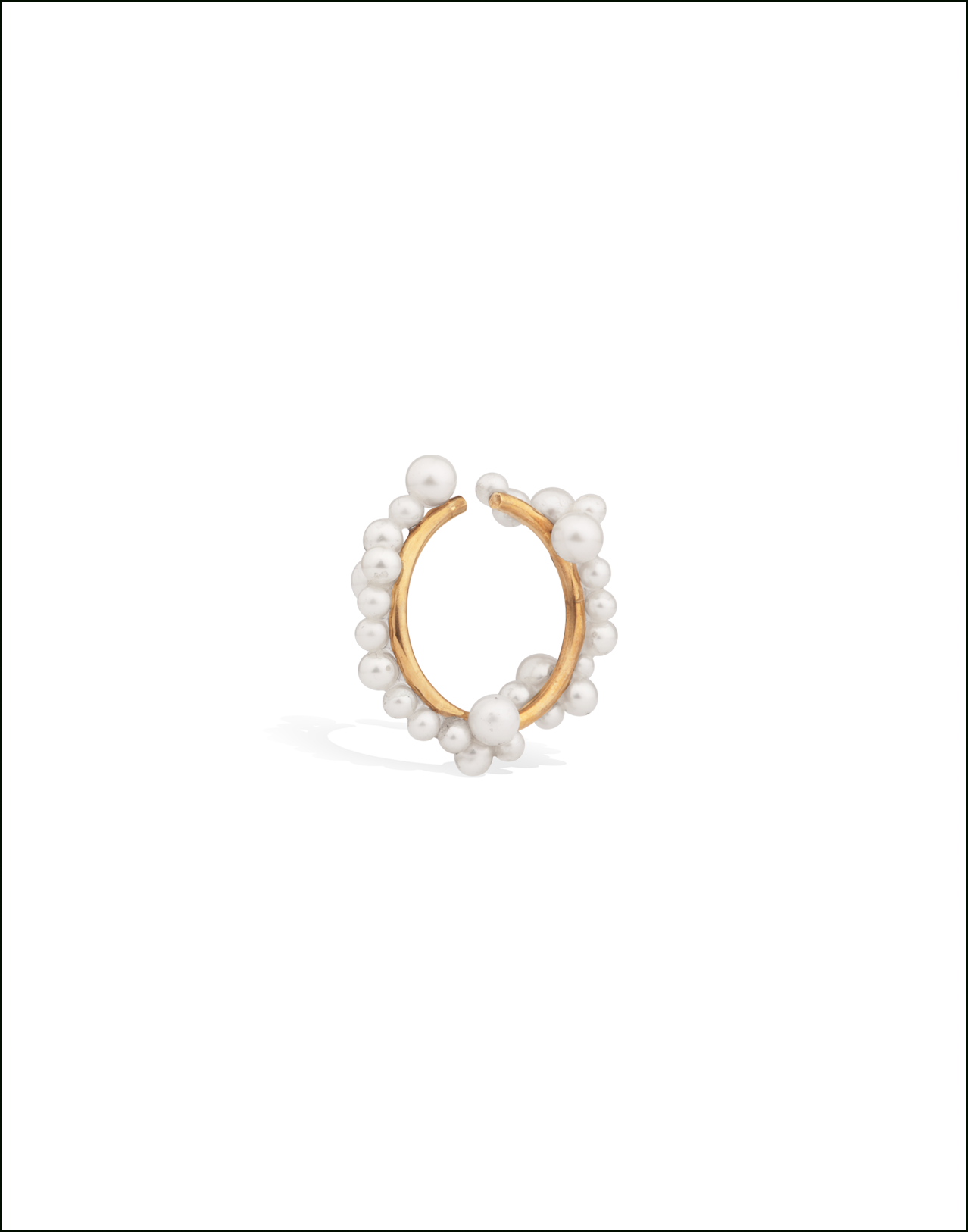 Completedworks-Ear-Cuff-Gold-Vermeil-Snow-1-1.png
