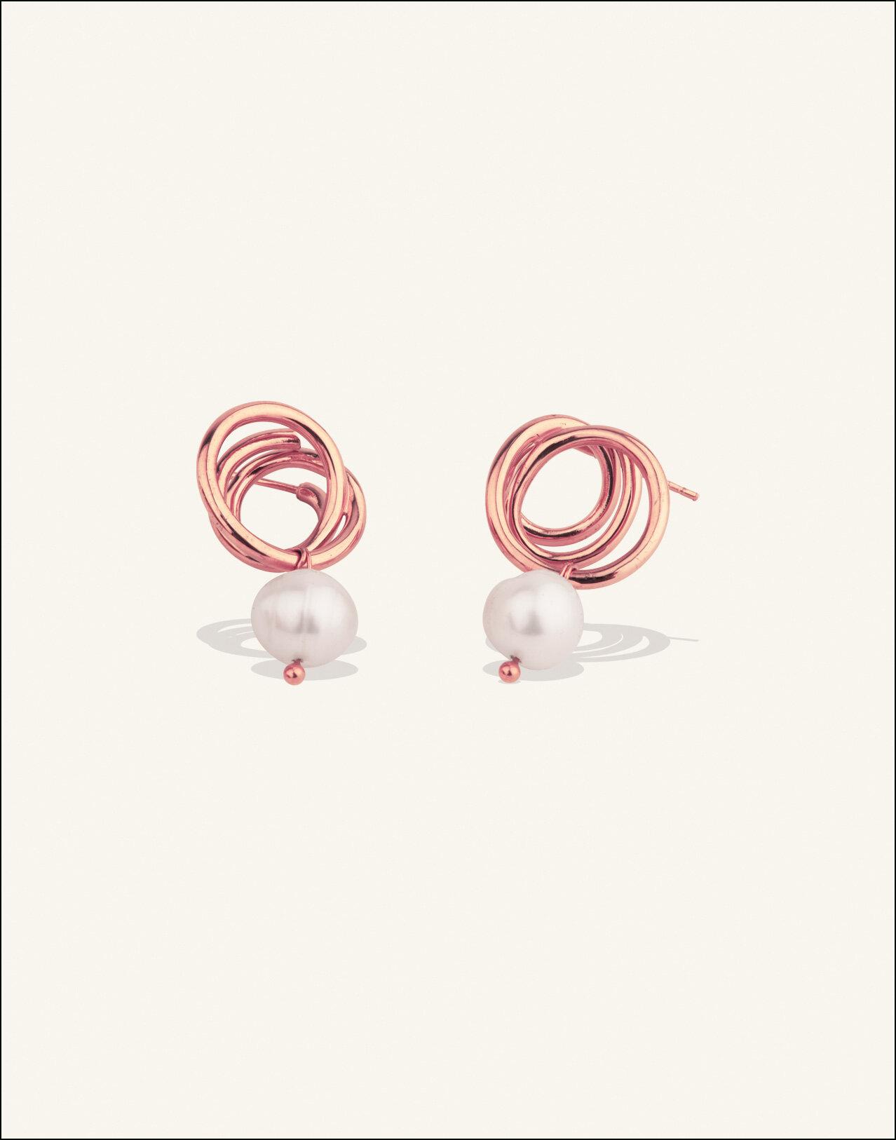 Completedworks-ROSE-GOLD-VERMEIL-Flow-Earrings-Pearl-2.jpg