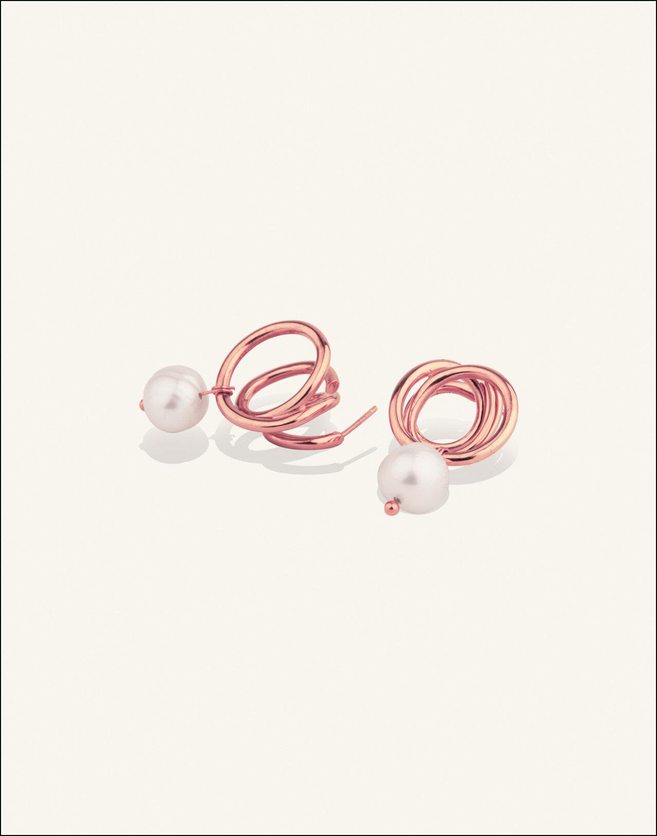 Completedworks-ROSE-GOLD-VERMEIL-Flow-Earrings-Pearl-3.jpg
